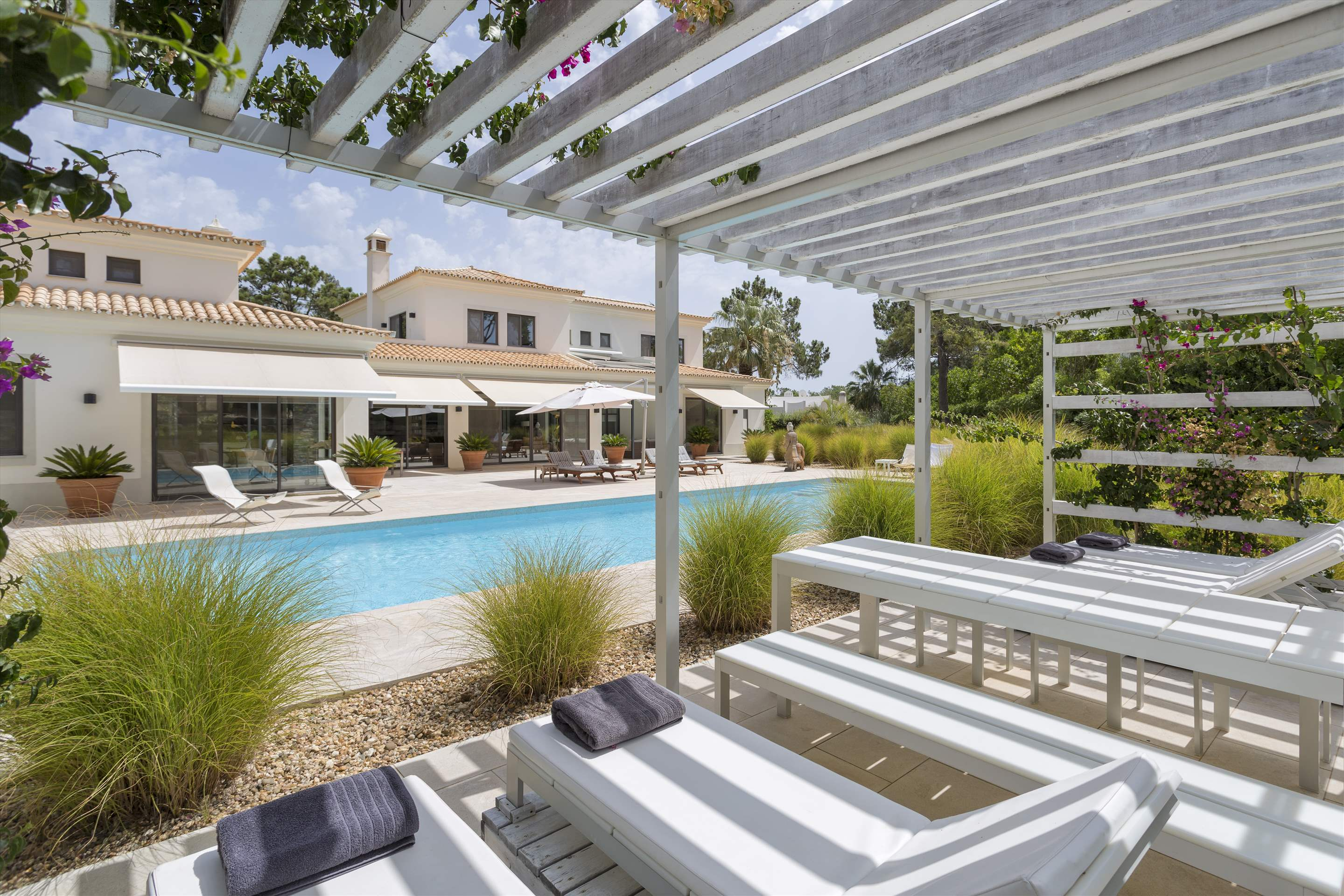Casa Jacaranda, 5 bedroom villa in Quinta do Lago, Algarve Photo #16