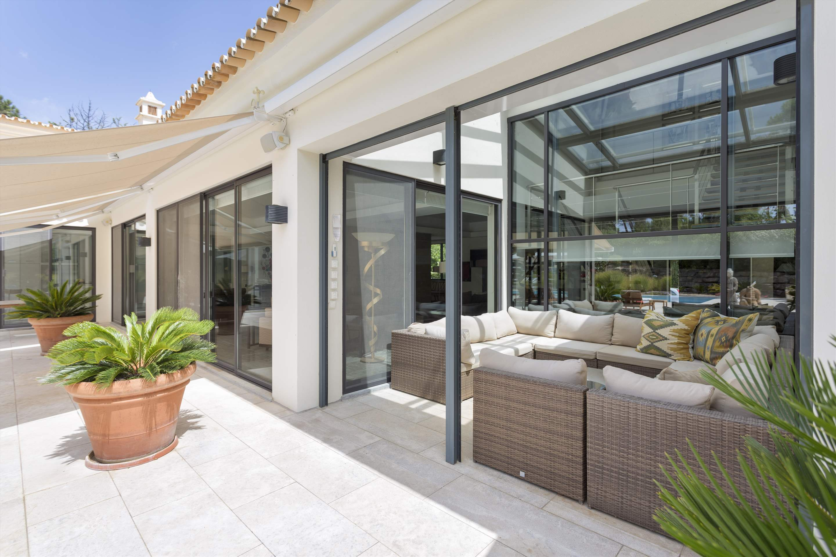 Casa Jacaranda, 5 bedroom villa in Quinta do Lago, Algarve Photo #9