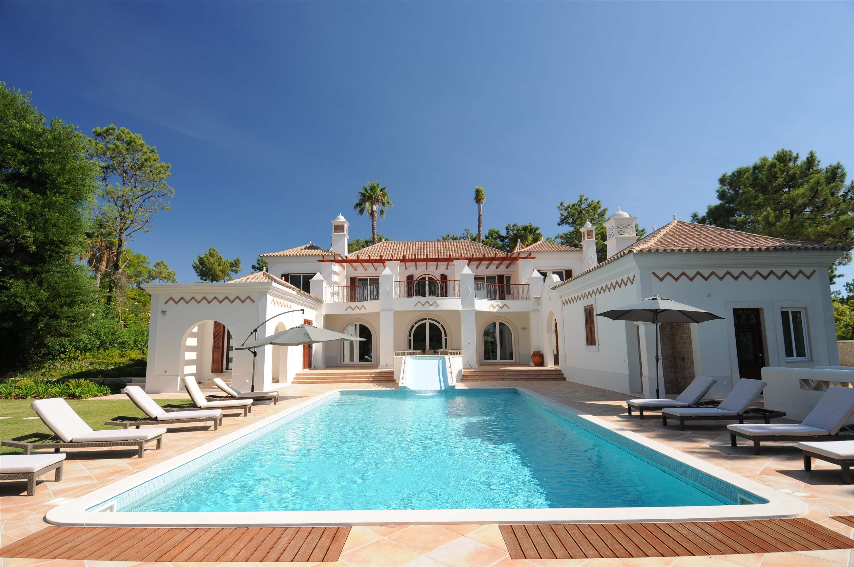 Villa Lantana 2, Main house & Annexe, 6 bedrooms, 6 bedroom villa in Quinta do Lago, Algarve