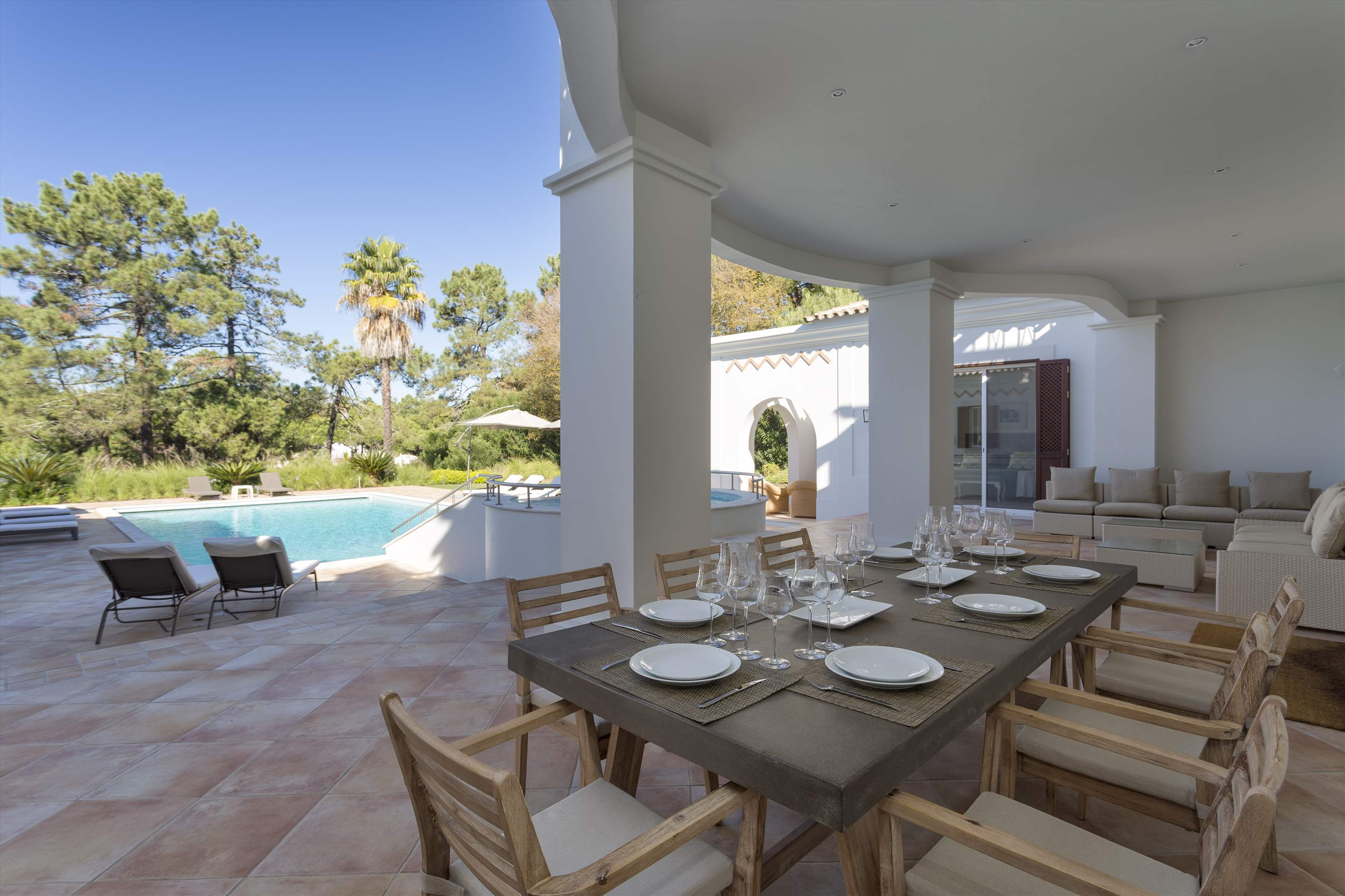 Villa Lantana 2, Main house & Annexe, 6 bedrooms, 6 bedroom villa in Quinta do Lago, Algarve Photo #2