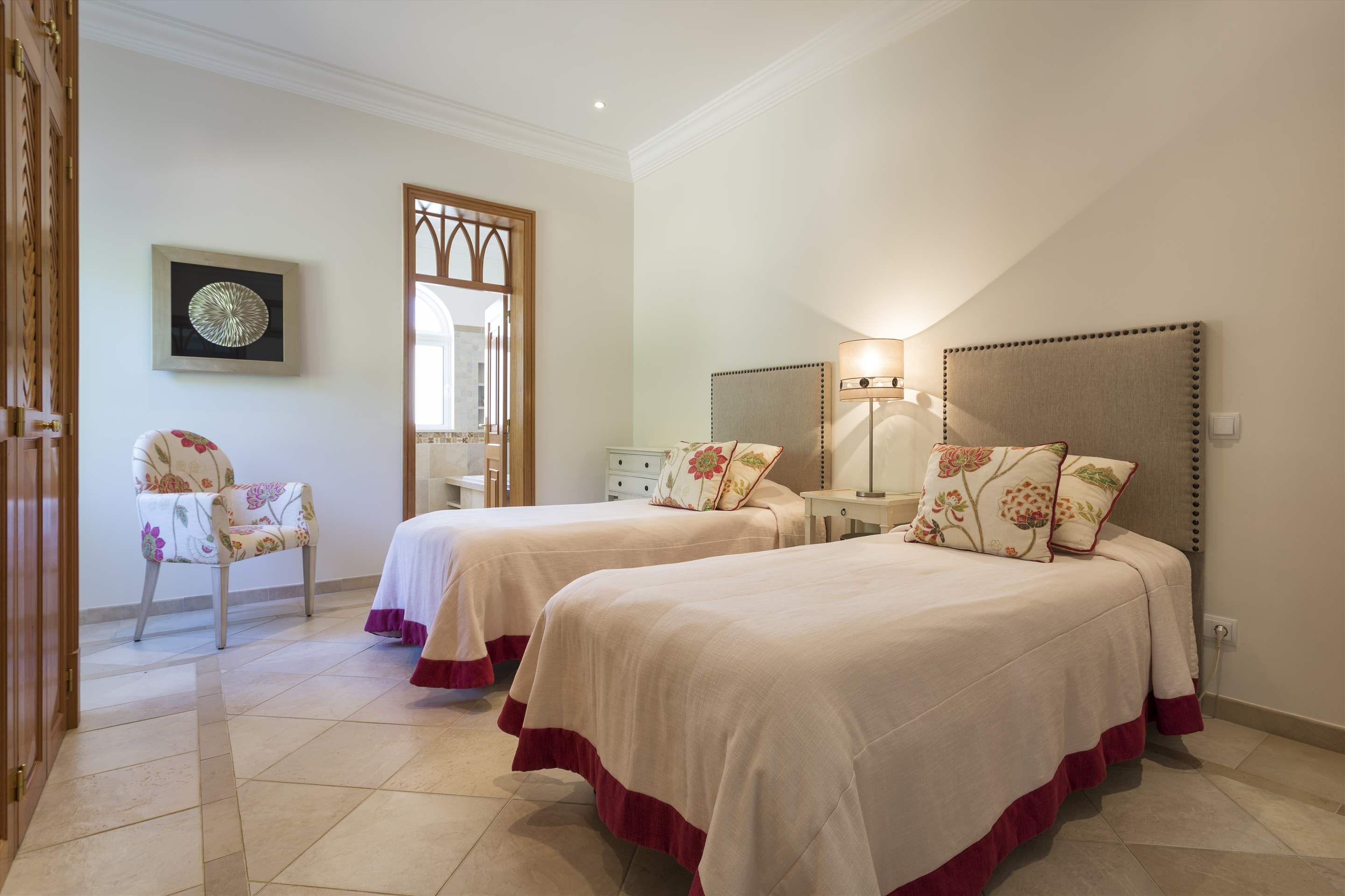 Villa Lantana 2, Main house & Annexe, 6 bedrooms, 6 bedroom villa in Quinta do Lago, Algarve Photo #21