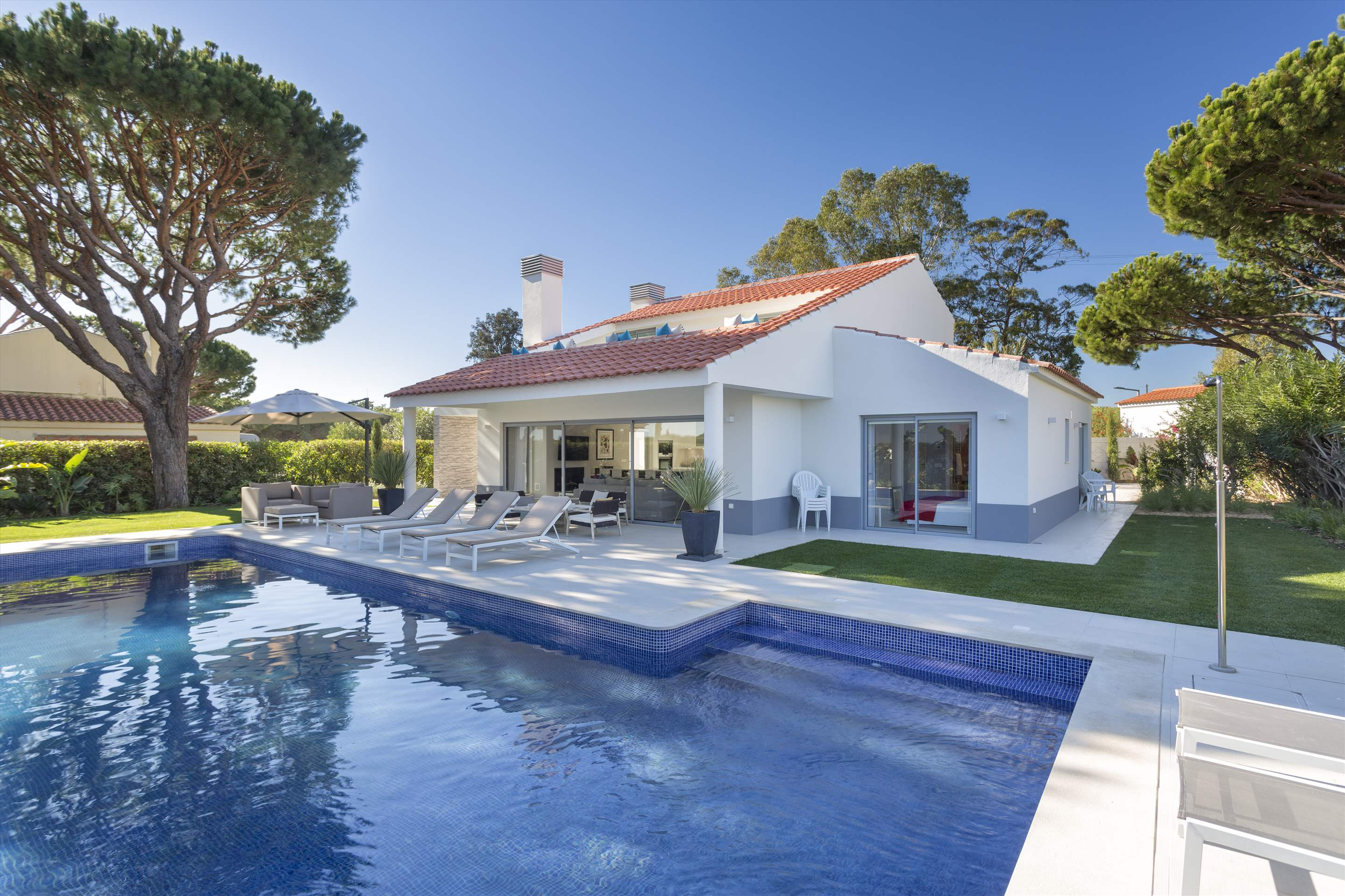 Casa Coral, 4 bedroom villa in Vale do Lobo, Algarve