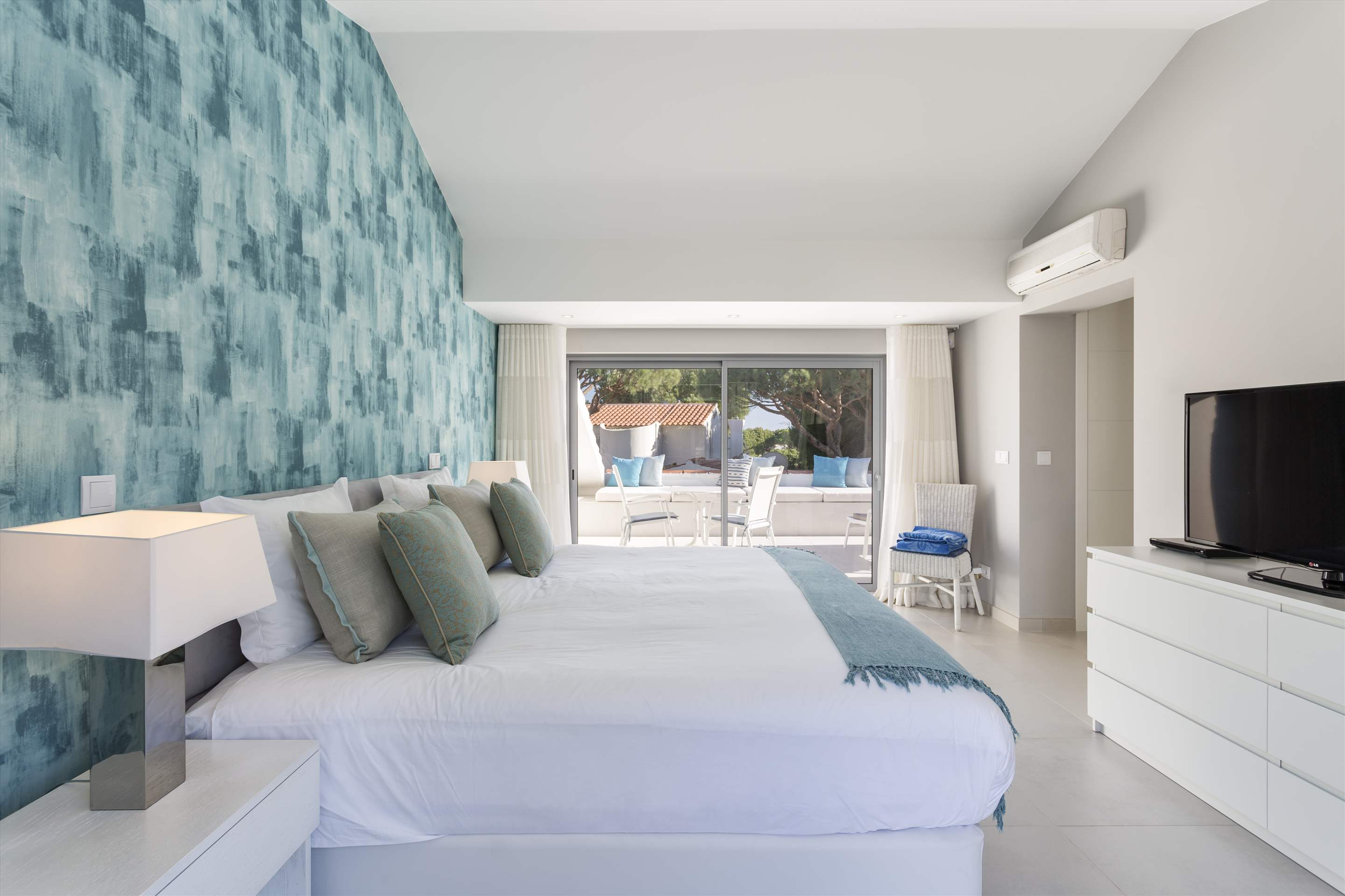 Casa Coral, 4 bedroom villa in Vale do Lobo, Algarve Photo #11
