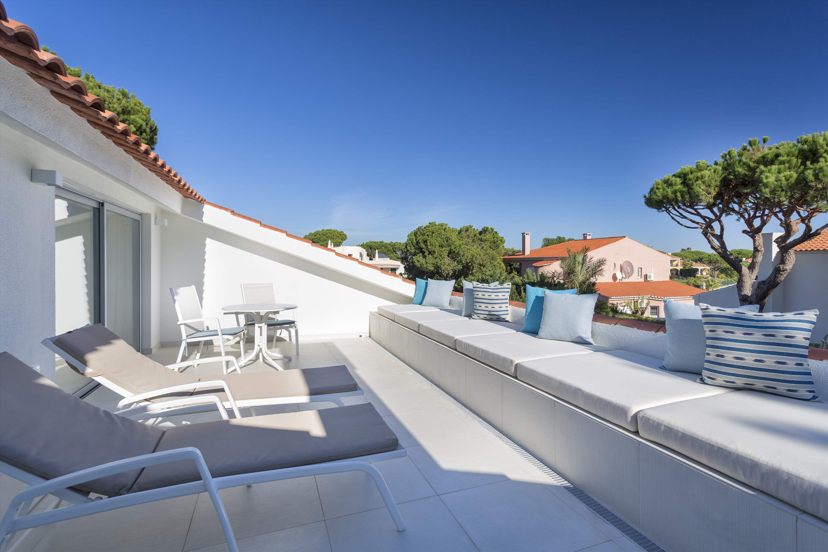 Casa Coral, 4 bedroom villa in Vale do Lobo, Algarve Photo #13