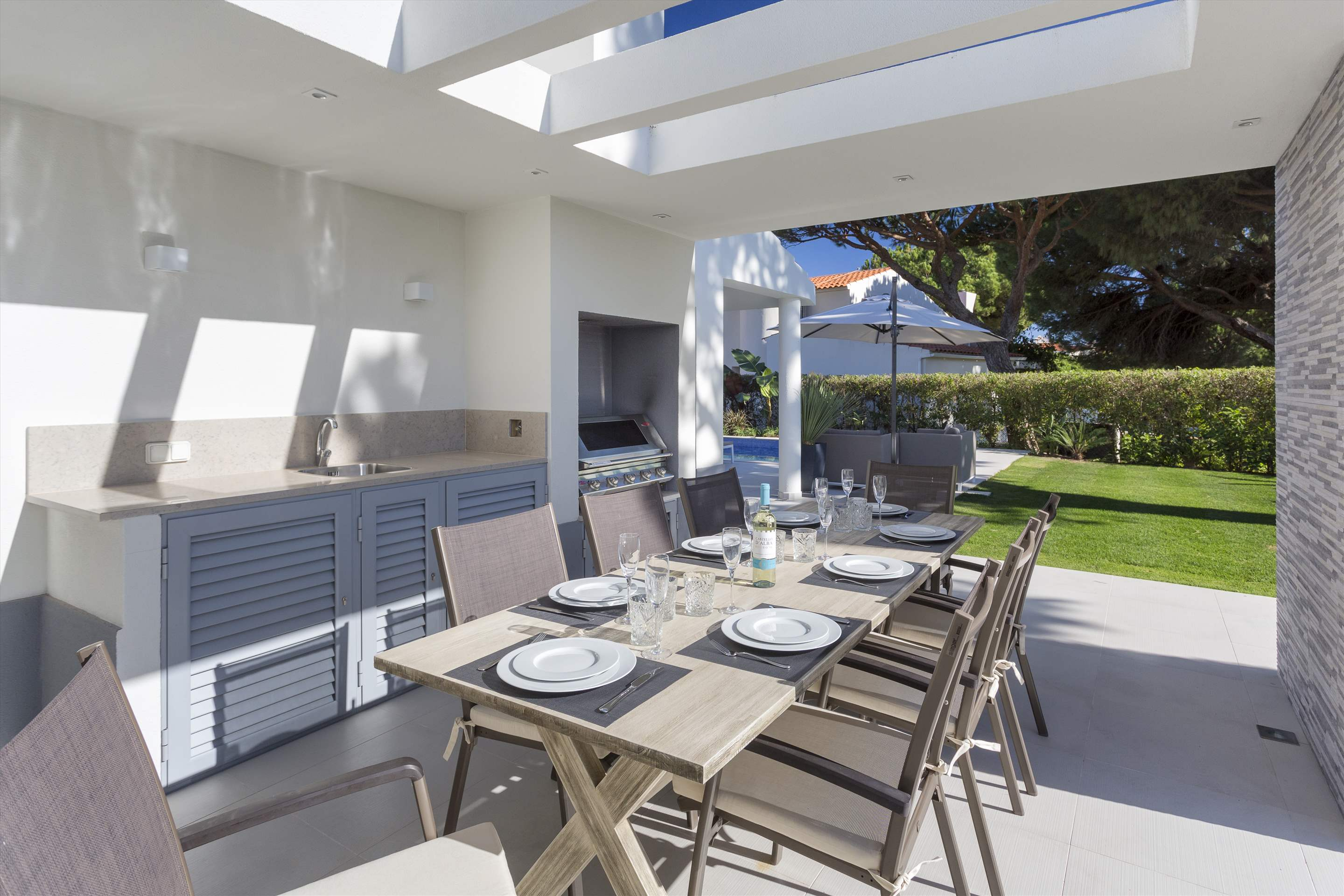 Casa Coral, 4 bedroom villa in Vale do Lobo, Algarve Photo #2