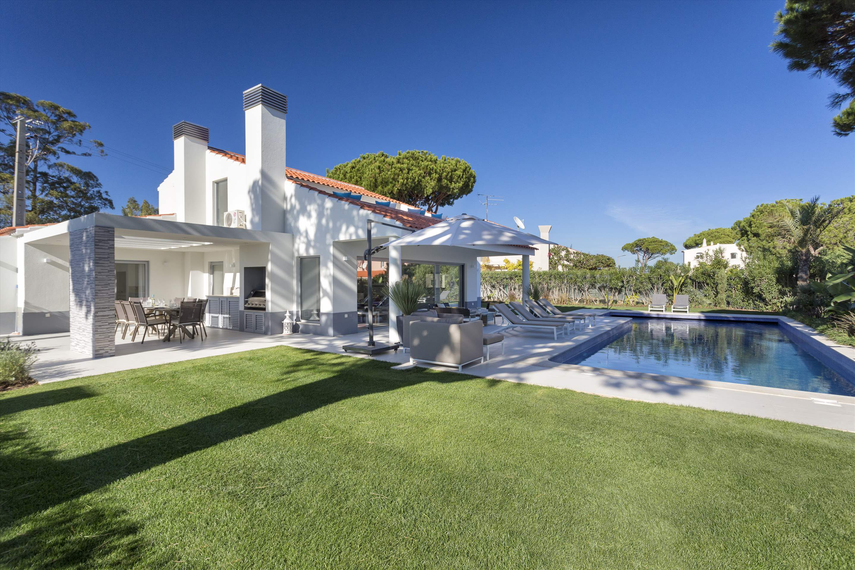Casa Coral, 4 bedroom villa in Vale do Lobo, Algarve Photo #7