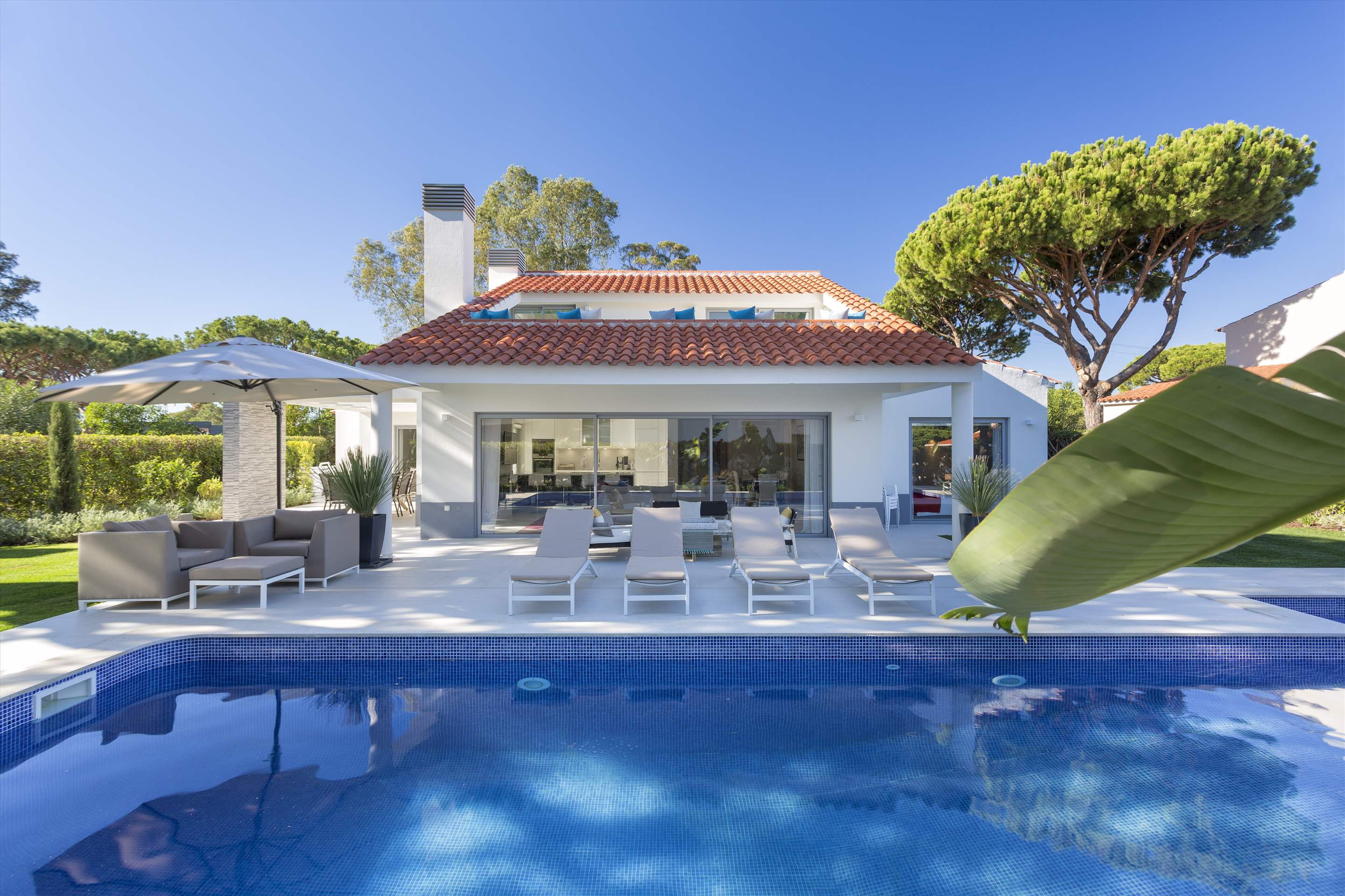 Casa Coral, 4 bedroom villa in Vale do Lobo, Algarve Photo #9