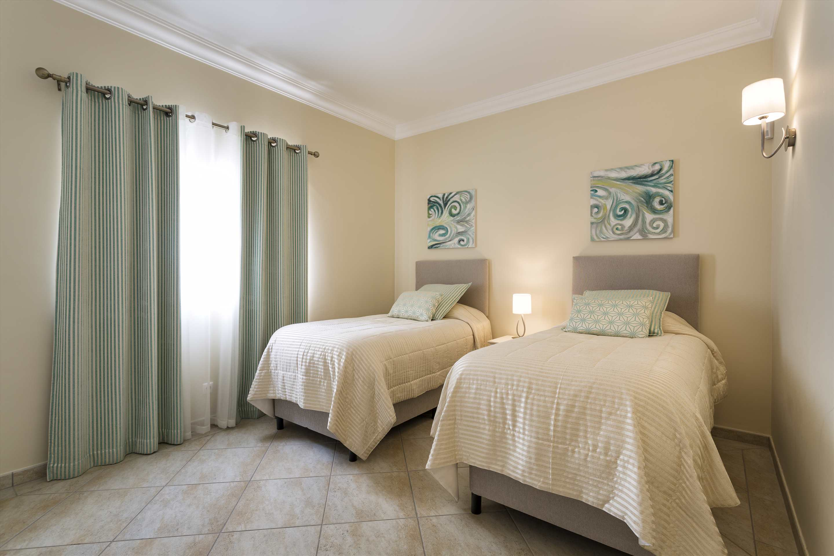 Villa Diana, 4 bedroom villa in Vale do Lobo, Algarve Photo #18