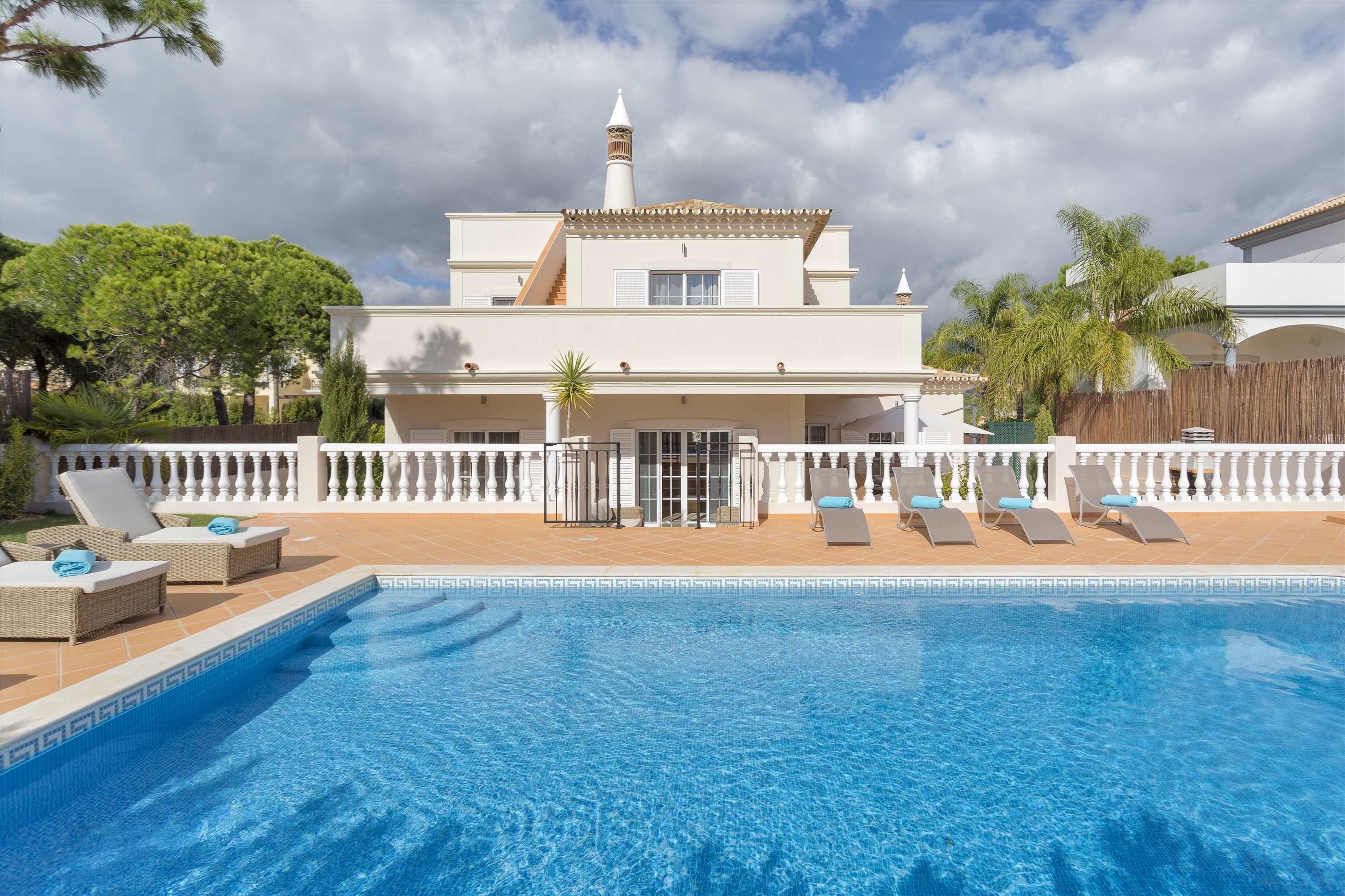 Villa Diana, 4 bedroom villa in Vale do Lobo, Algarve Photo #9