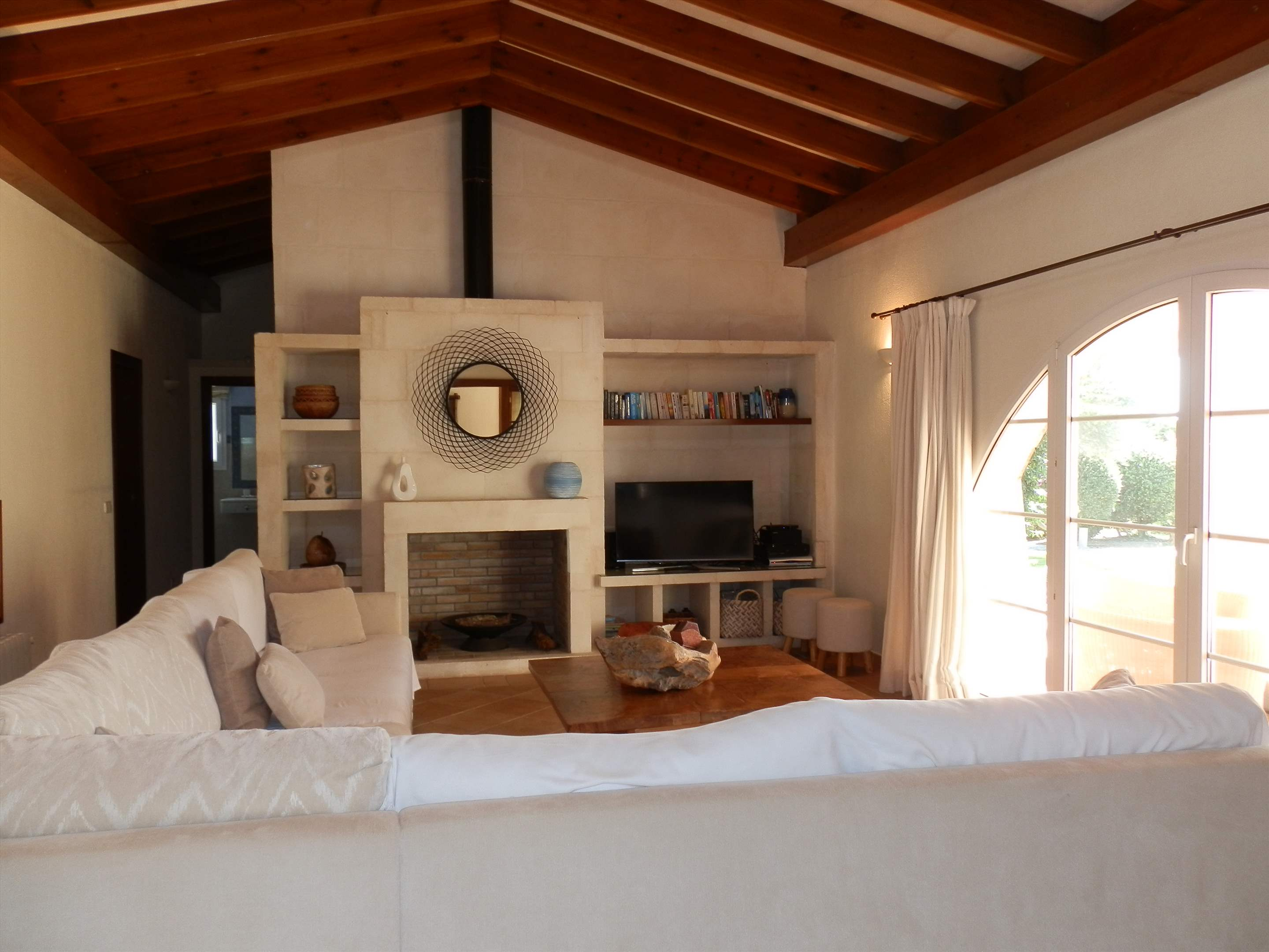 Villa Amanjena, 6 bedroom villa in Mahon, San Luis & South East, Menorca Photo #5