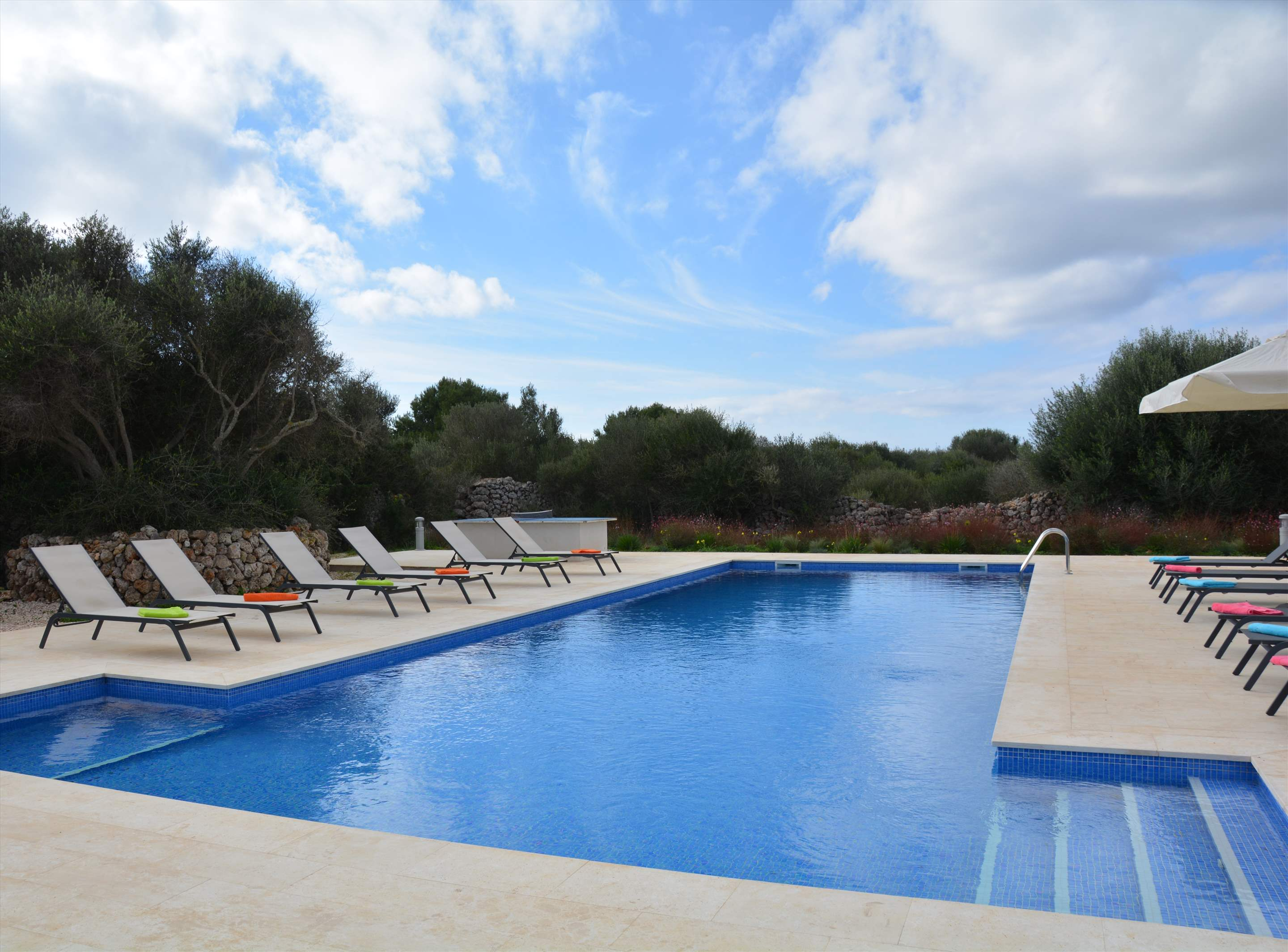 Les Arcs, 5 bedroom villa in Mahon, San Luis & South East, Menorca Photo #11