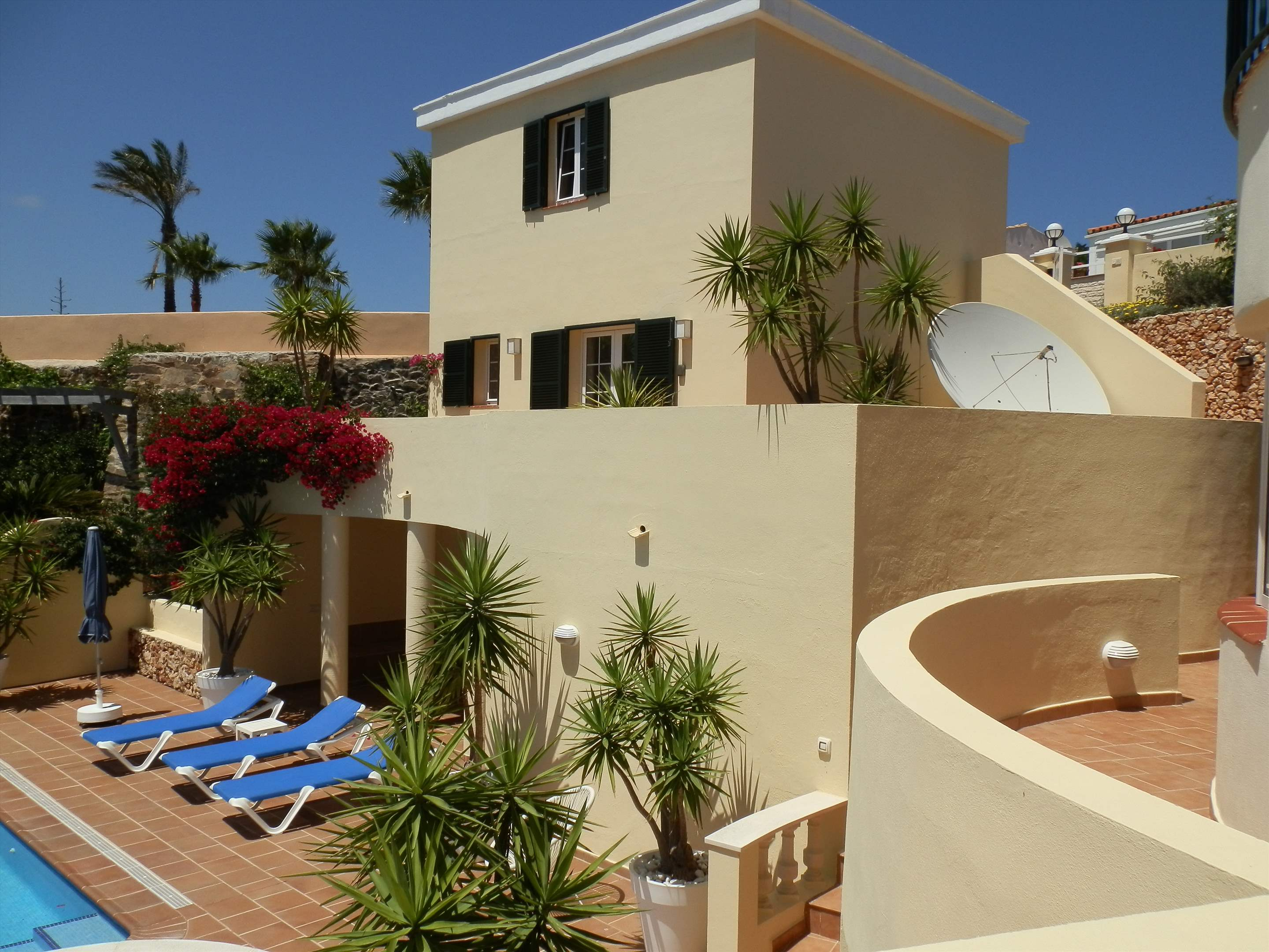 Son De Mar, 5 bedroom villa in Mahon, San Luis & South East, Menorca Photo #2