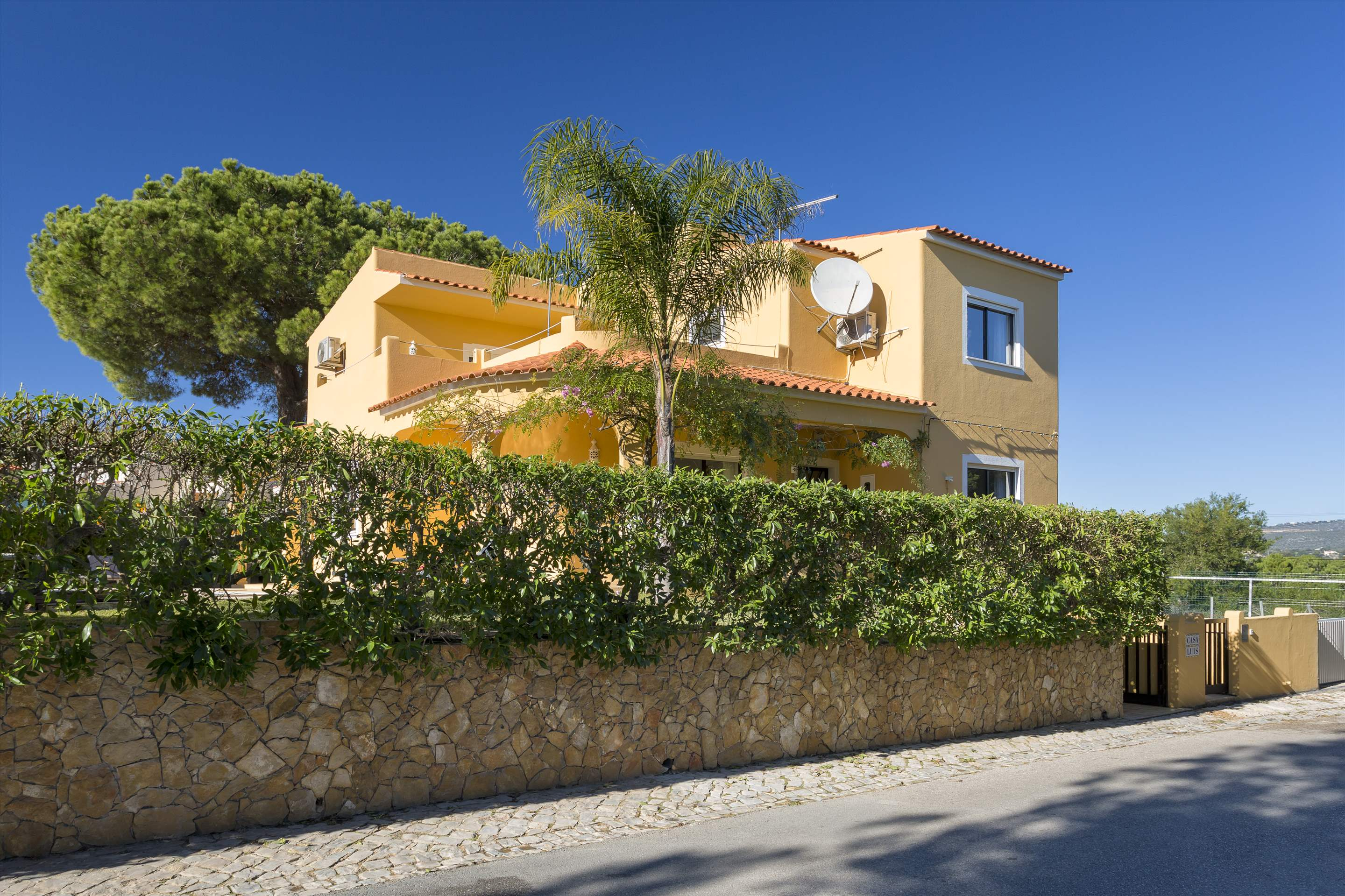 Casa Luis, 5 bedroom villa in Vilamoura Area, Algarve Photo #17