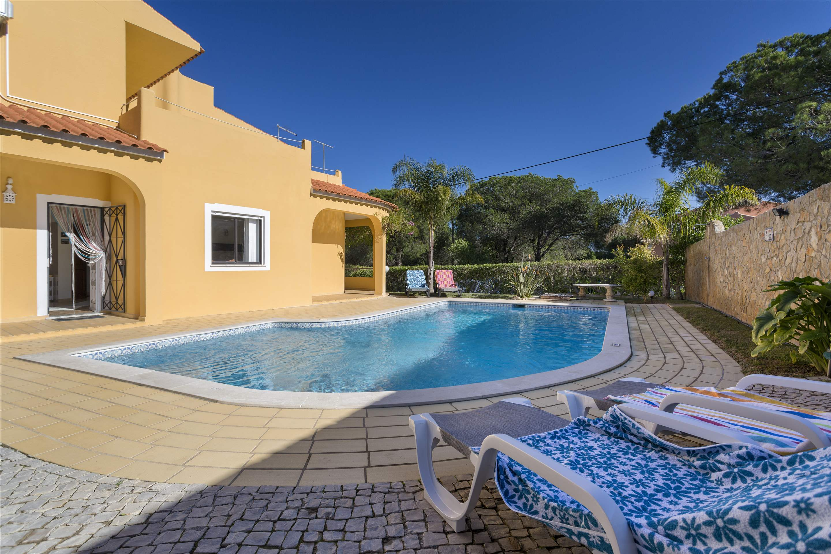 Casa Luis, 5 bedroom villa in Vilamoura Area, Algarve Photo #7