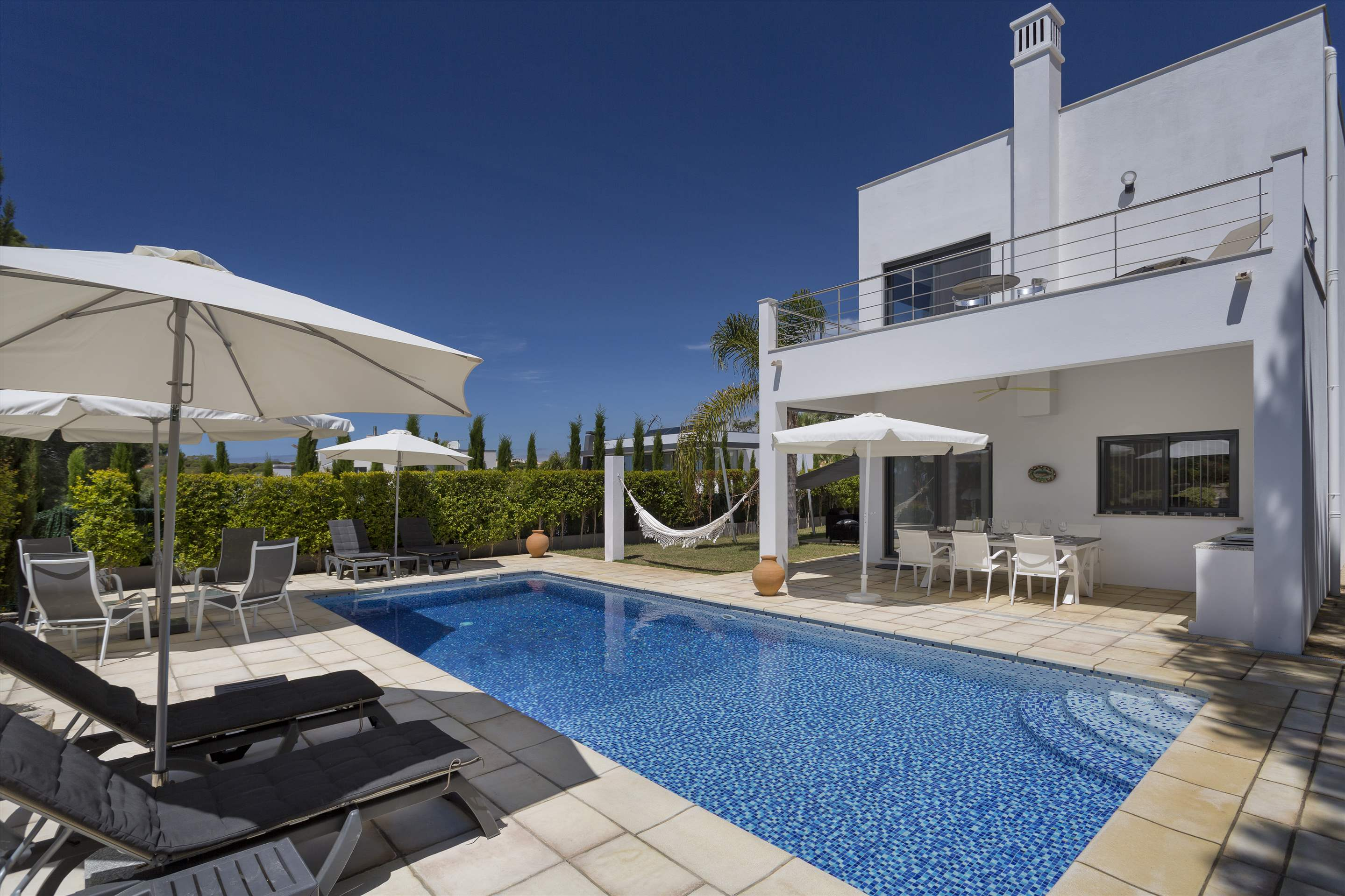 Villa Selena, 2 bedroom villa in Quinta do Lago, Algarve