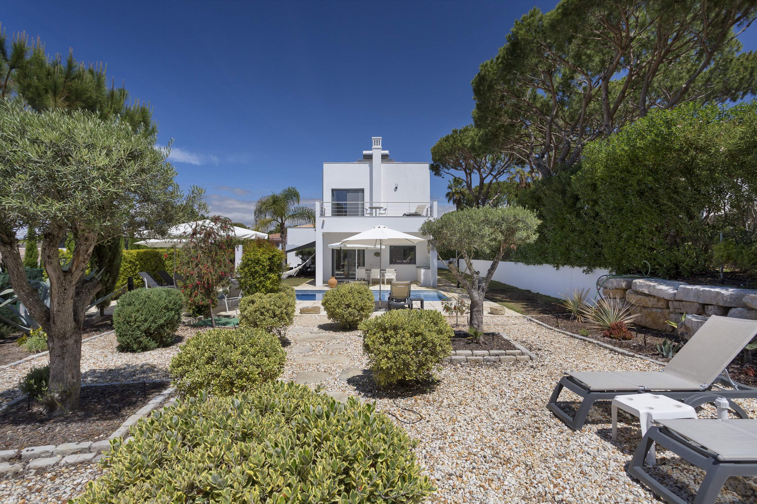 Villa Selena, 2 bedroom villa in Quinta do Lago, Algarve Photo #11