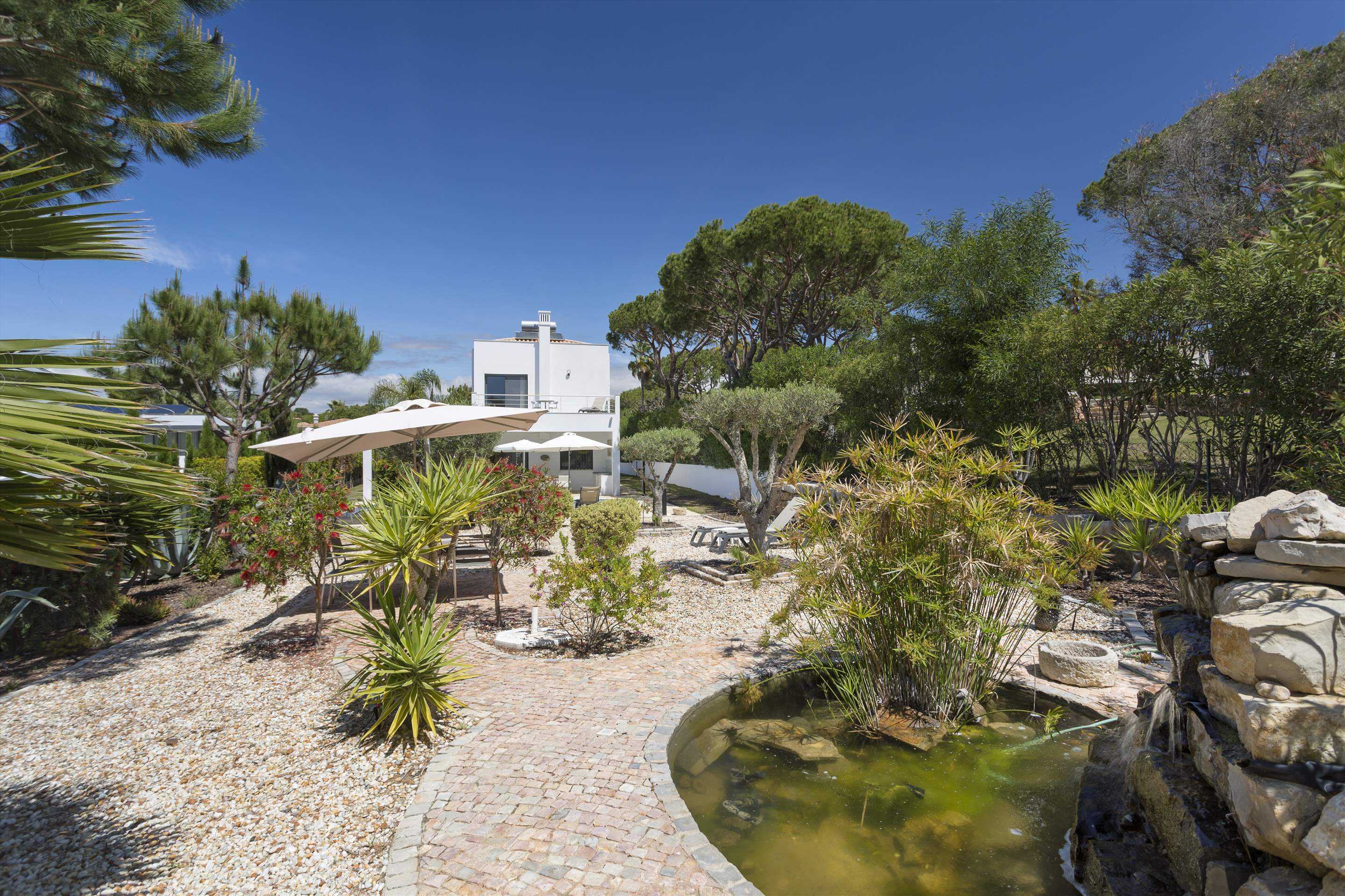 Villa Selena, 2 bedroom villa in Quinta do Lago, Algarve Photo #13