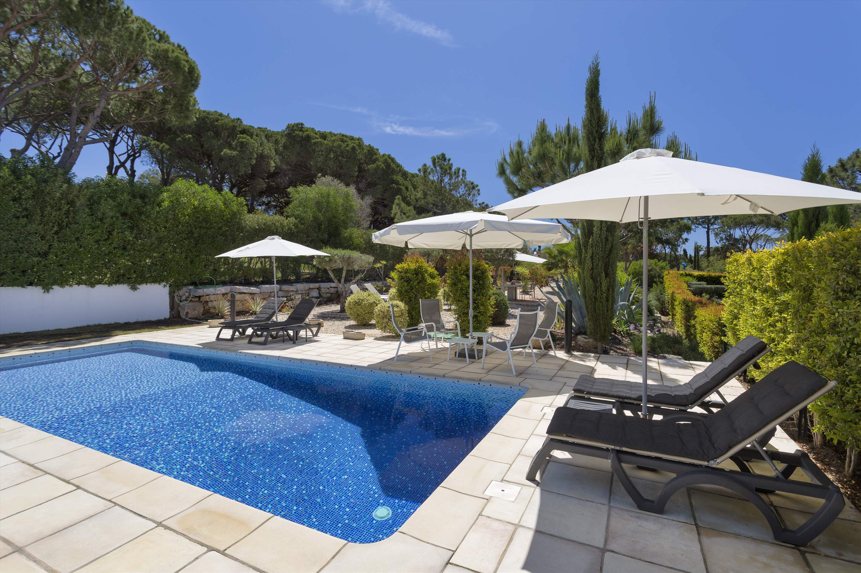 Villa Selena, 2 bedroom villa in Quinta do Lago, Algarve Photo #15