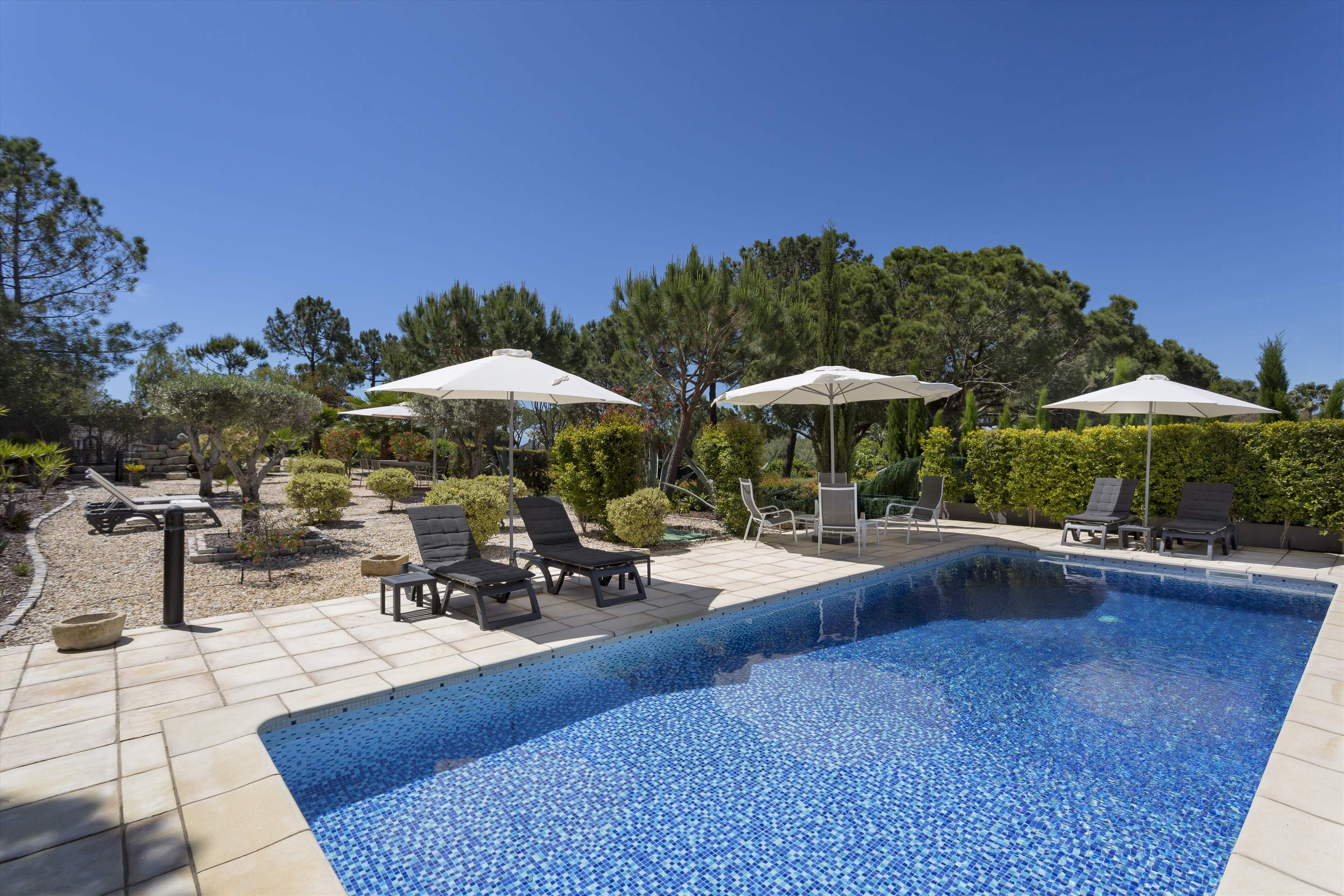 Villa Selena, 2 bedroom villa in Quinta do Lago, Algarve Photo #8