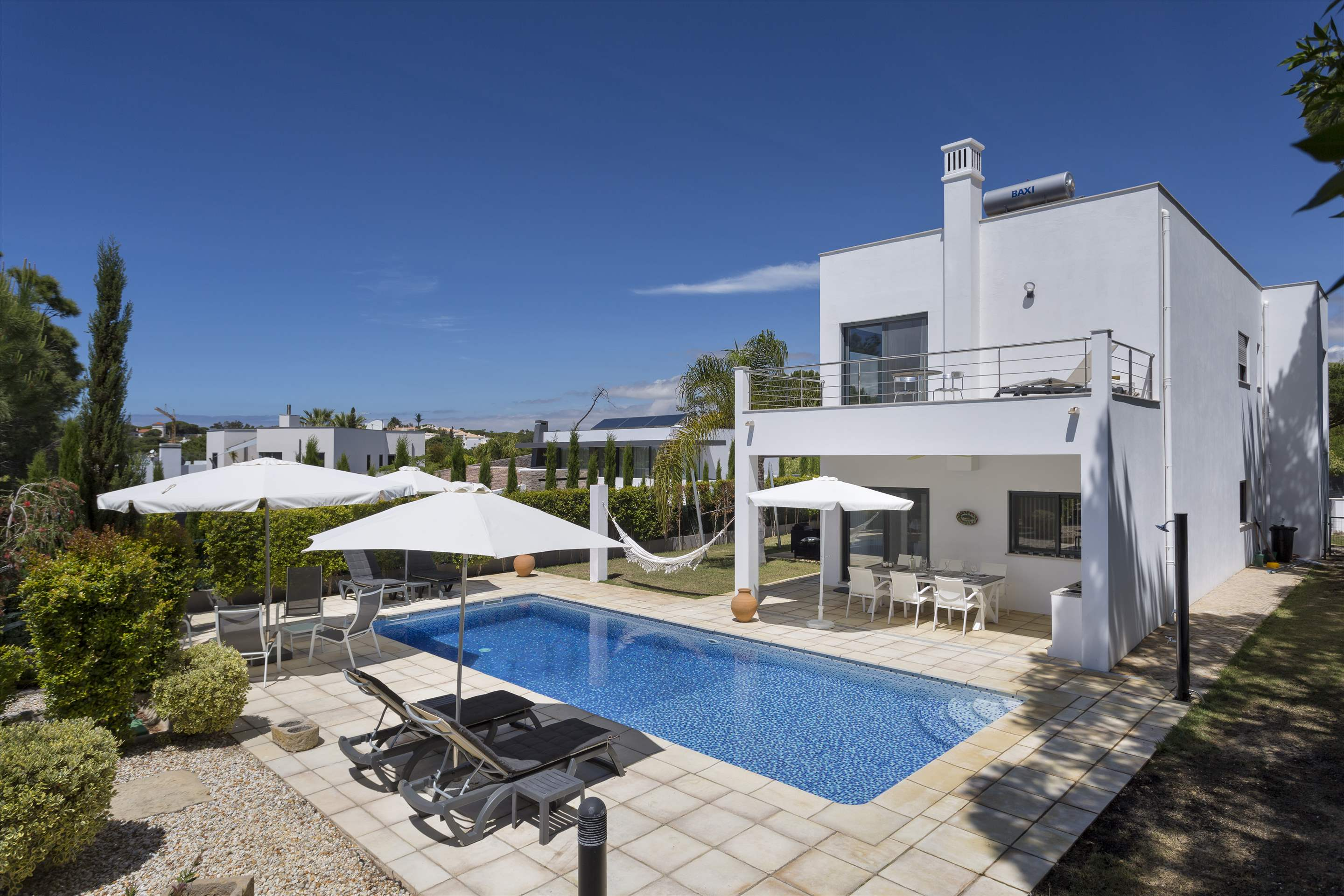 Villa Selena, 2 bedroom villa in Quinta do Lago, Algarve Photo #9