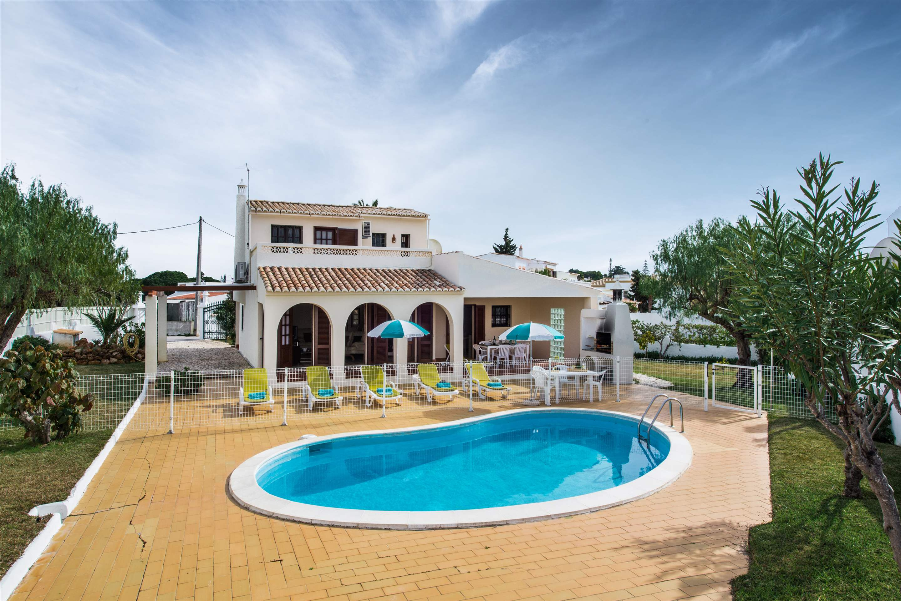 Casa Isabel, 5-6 persons rate, 3 bedroom villa in Gale, Vale da Parra and Guia, Algarve