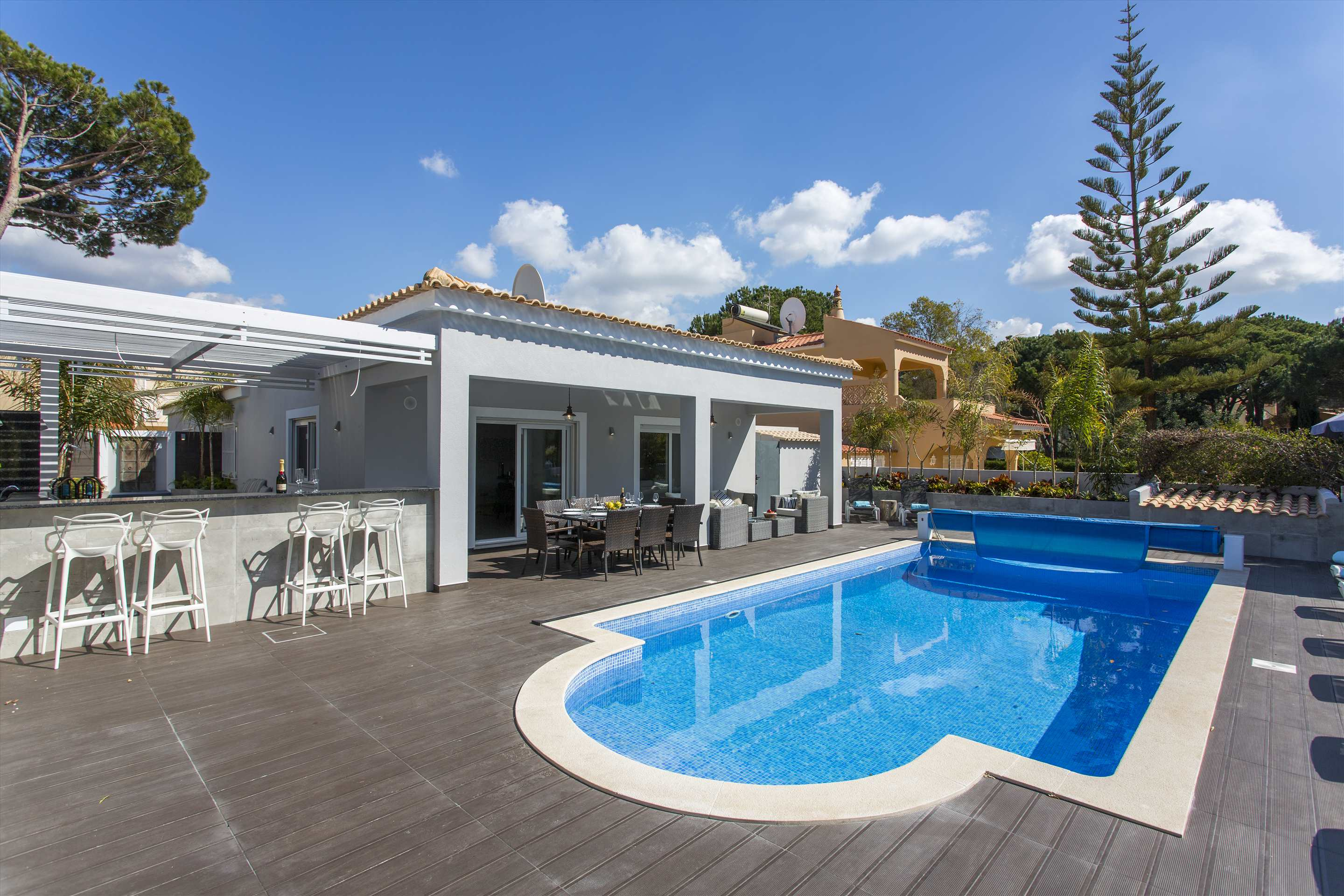 Villa Rose, 4 bedroom villa in Vilamoura Area, Algarve