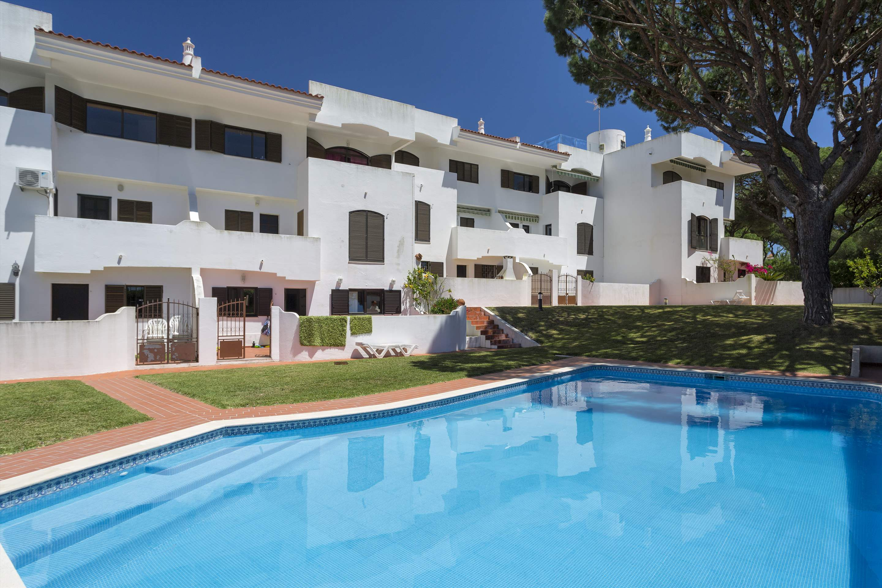 Apartment Jardim do Mar, 2 bedroom apartment in Vilamoura Area, Algarve