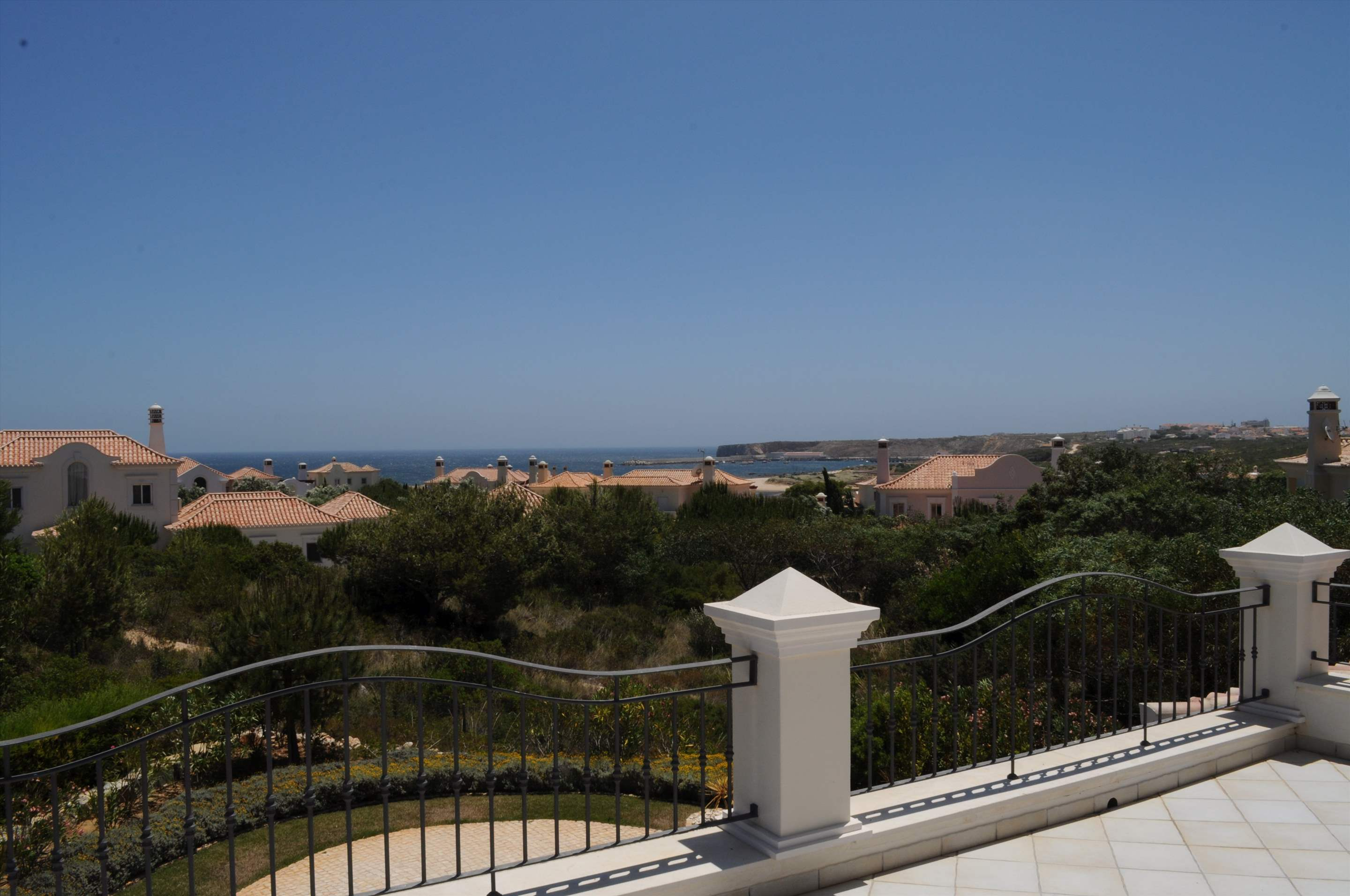 Martinhal Luxury Villa No.18, 5 bedroom villa in Martinhal Sagres, Algarve Photo #13
