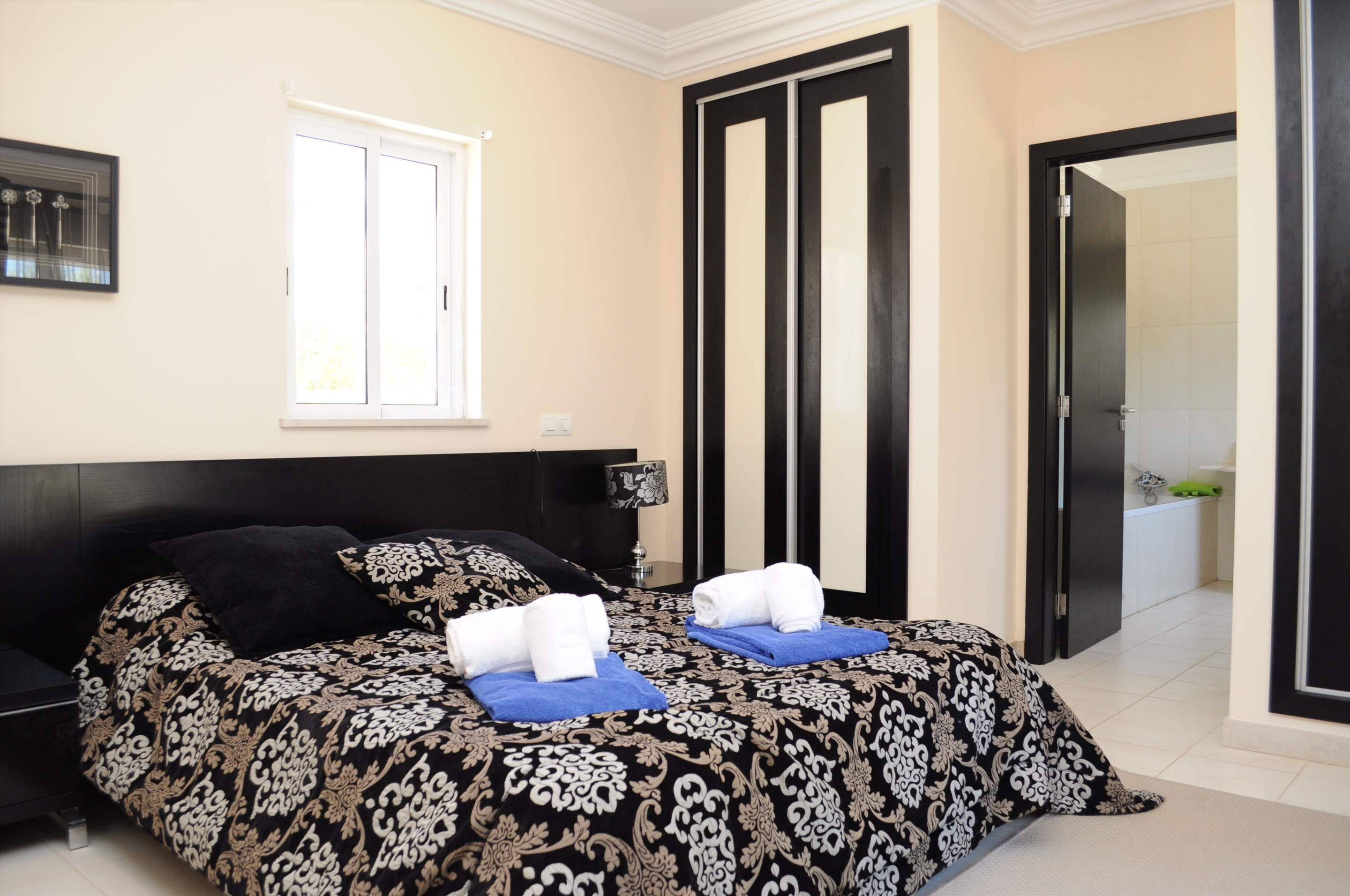 Martinhal Luxury Villa No.18, 5 bedroom villa in Martinhal Sagres, Algarve Photo #15