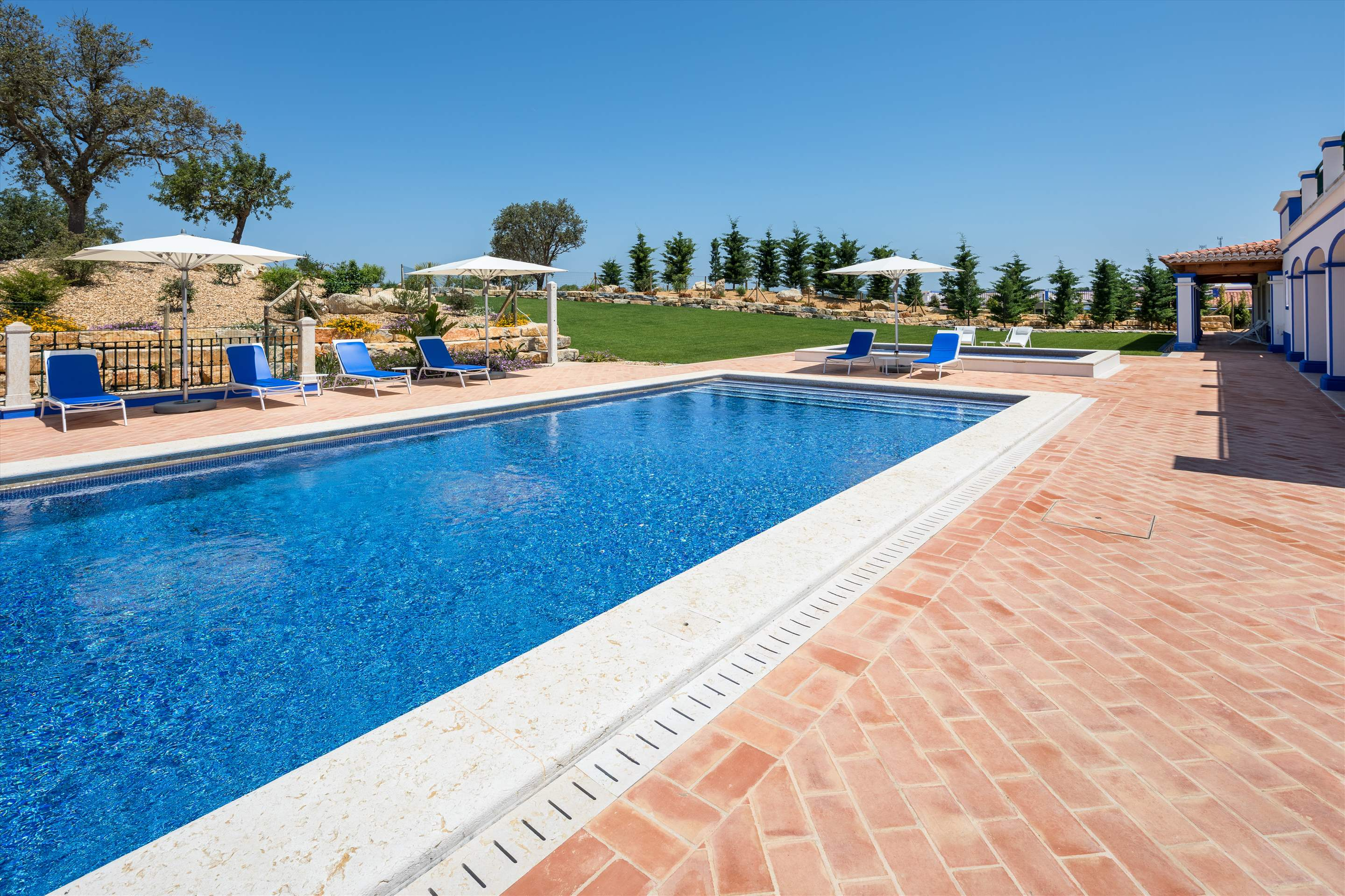 Villa Sky, 4 bedroom villa in Vilamoura Area, Algarve Photo #4