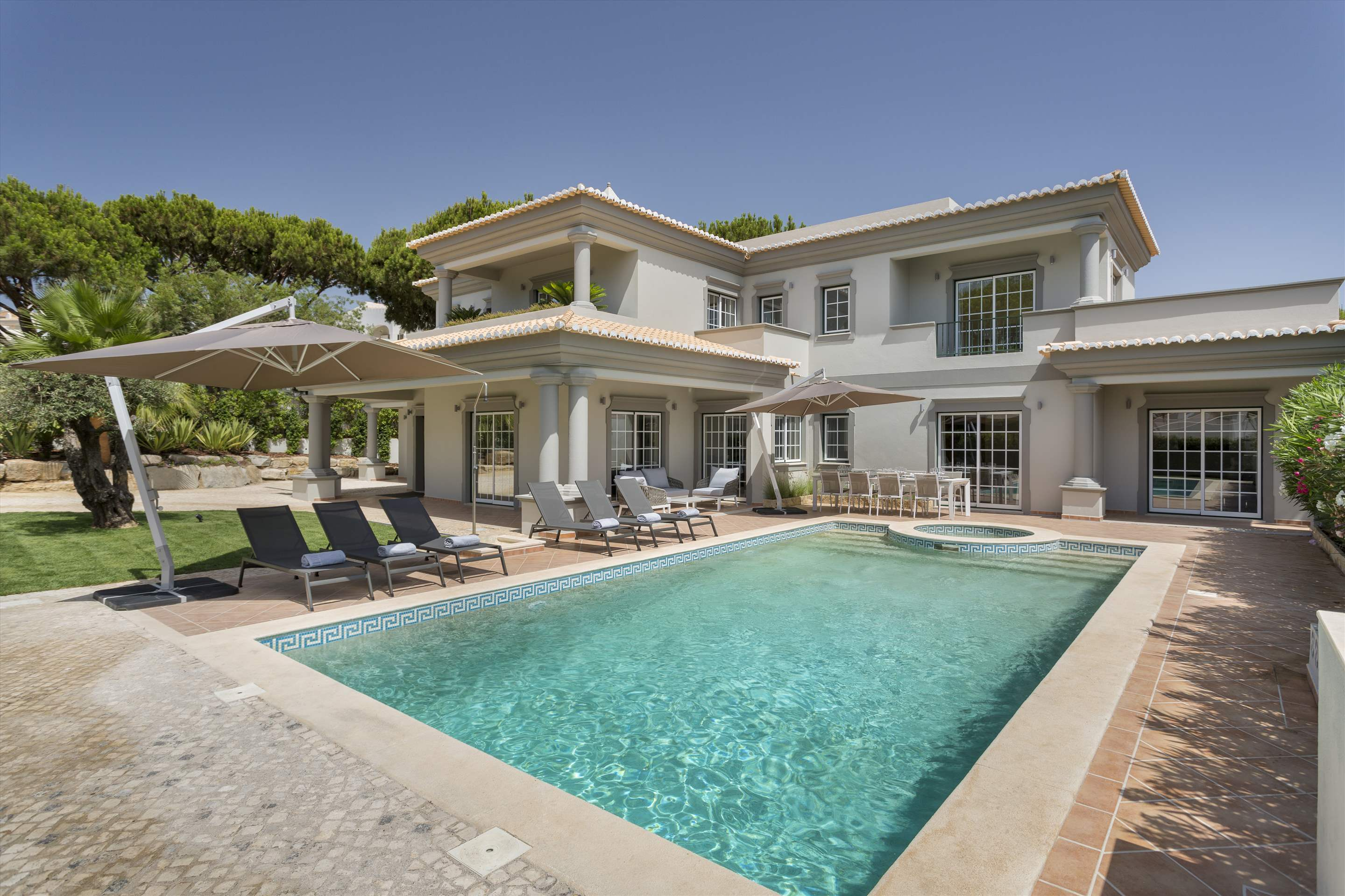 Villa Helena, 4 bedroom villa in Quinta do Lago, Algarve Photo #1