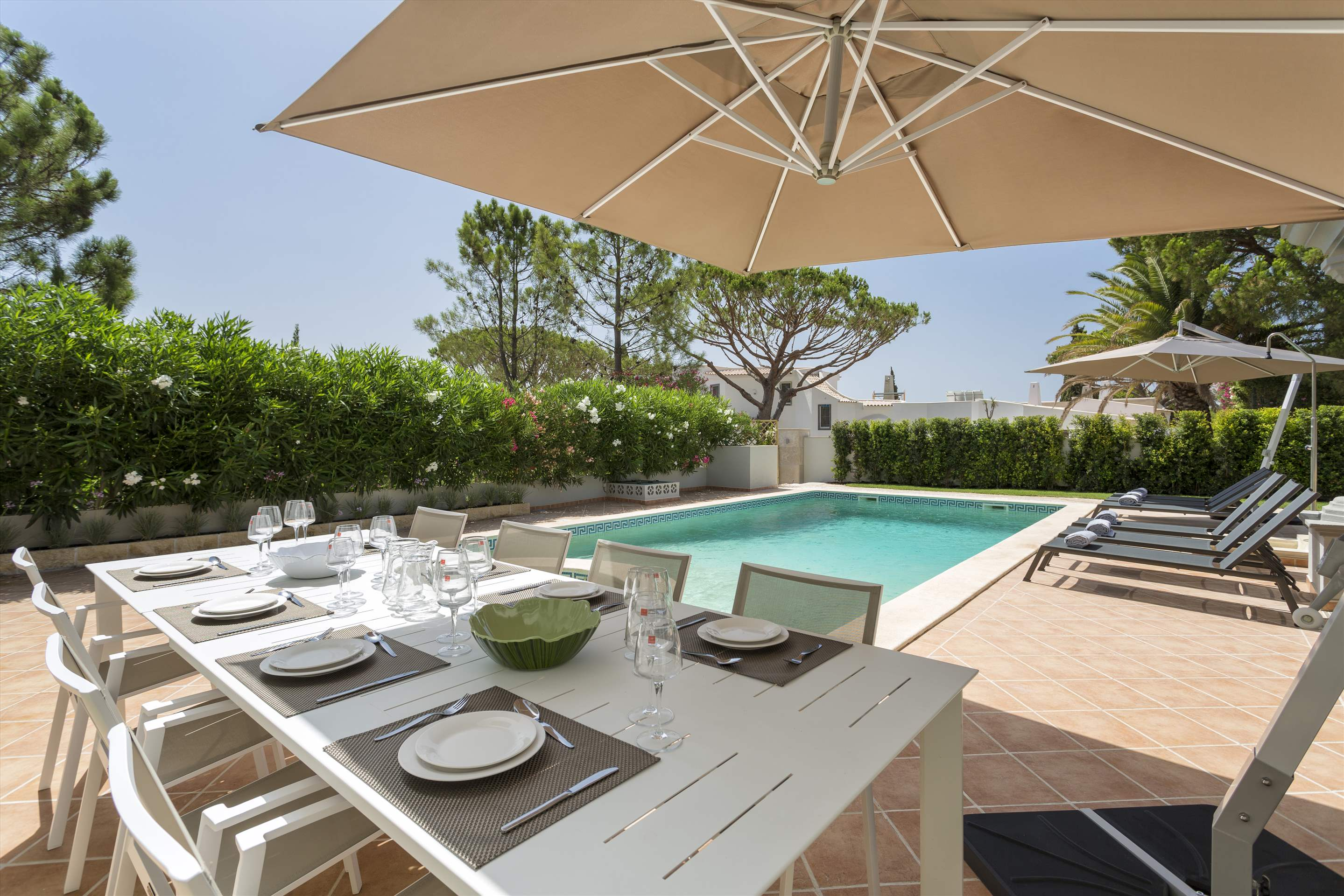 Villa Helena, 4 bedroom villa in Quinta do Lago, Algarve Photo #2