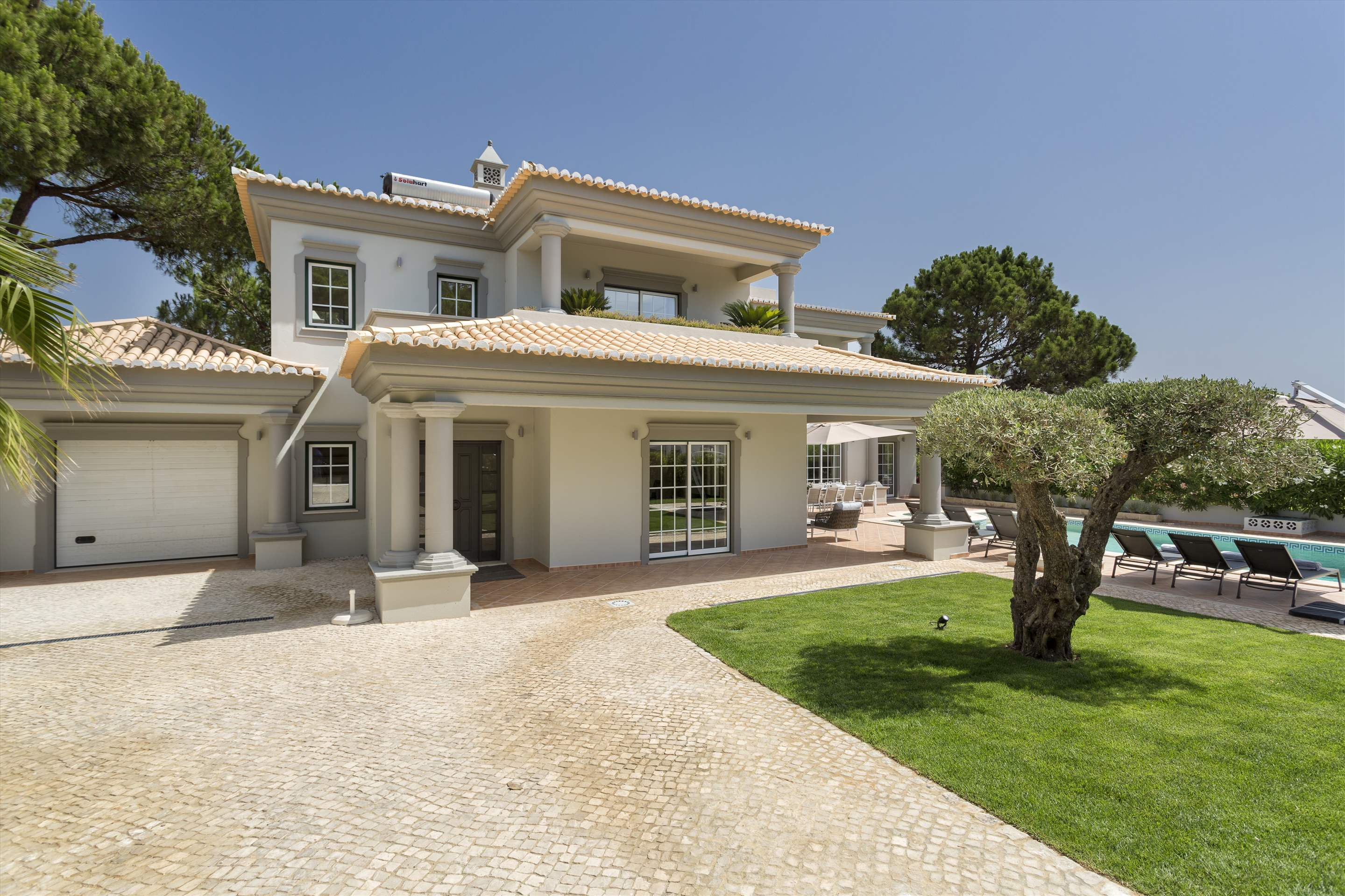 Villa Helena, 4 bedroom villa in Quinta do Lago, Algarve Photo #6