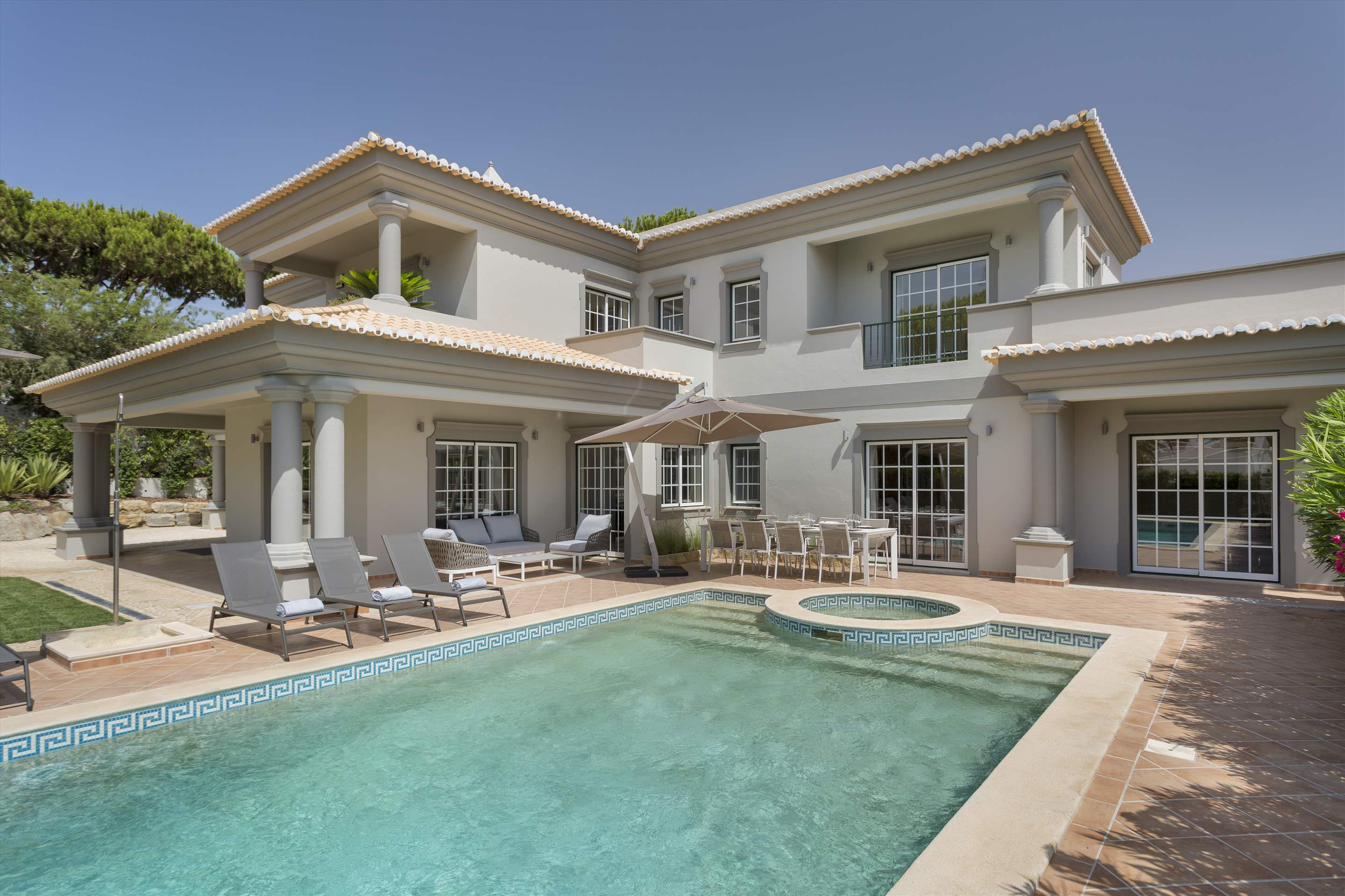 Villa Helena, 4 bedroom villa in Quinta do Lago, Algarve Photo #7