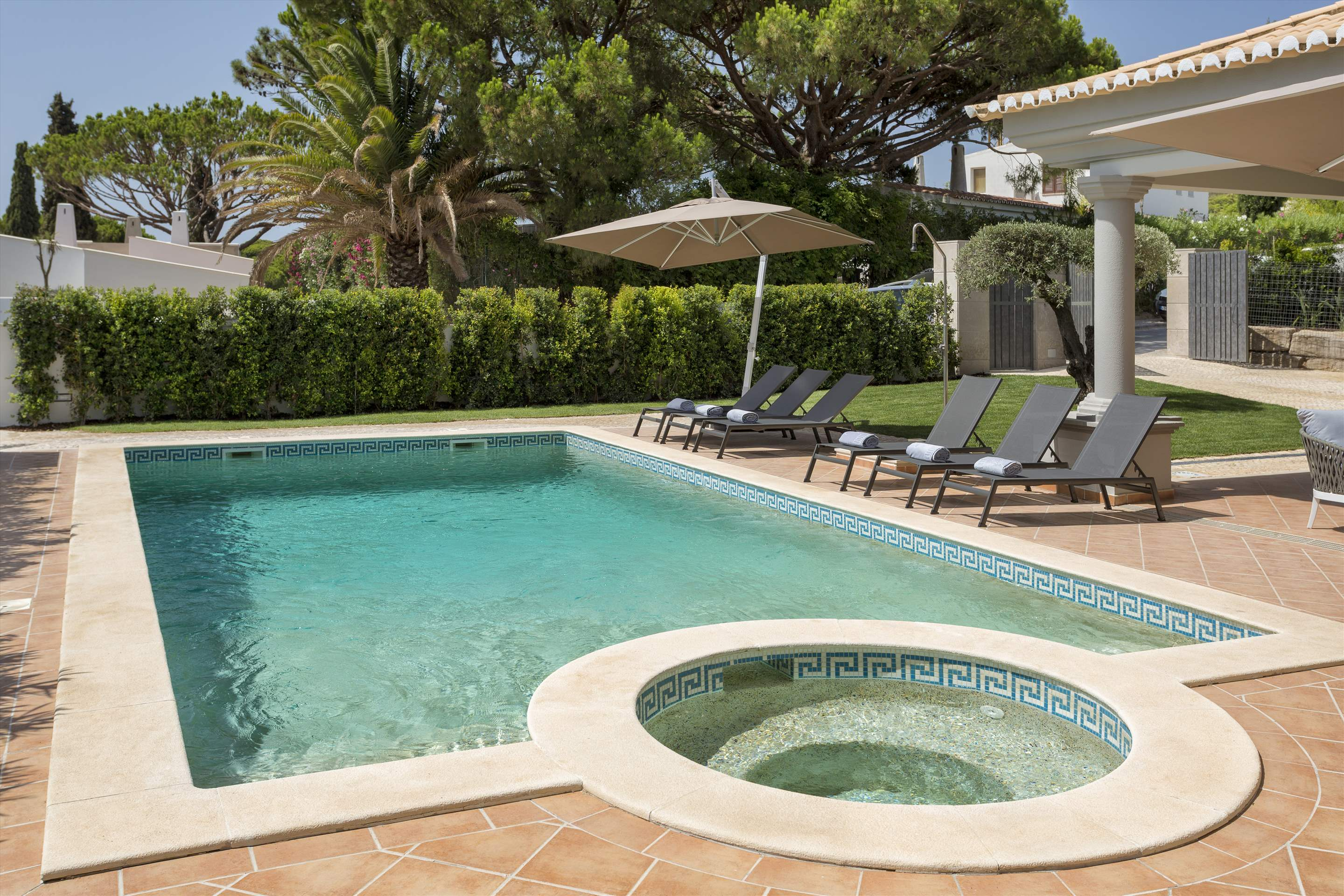 Villa Helena, 4 bedroom villa in Quinta do Lago, Algarve Photo #9