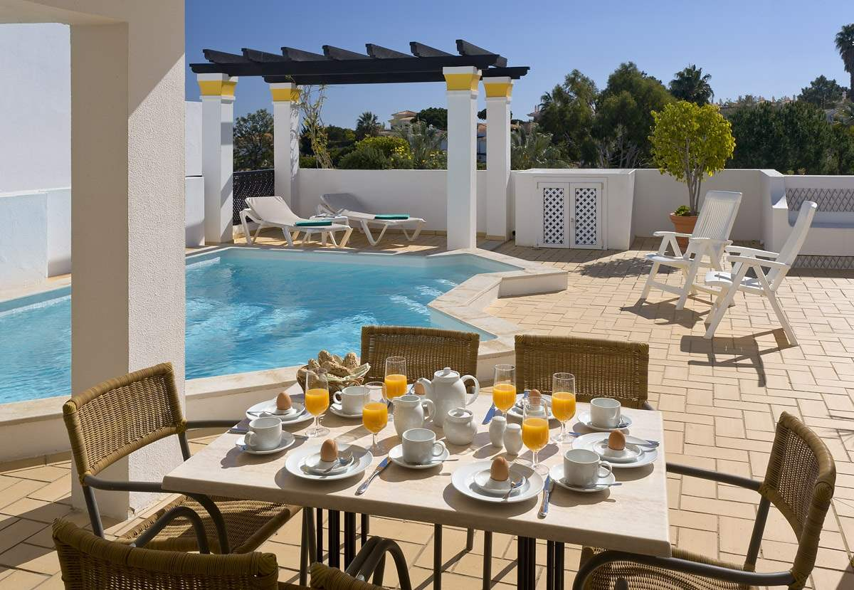 Four Seasons Fairways 3 Bed Hillside Apartment, Thursday Arrival, 3 bedroom villa in Four Seasons Fairways, Algarve Photo #2