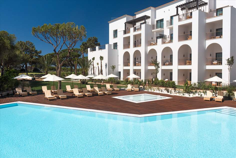 Pine Cliffs Ocean Suites, Two Bedroom Apt, Garden Access, 2 apartment in Pine Cliffs Resort, Algarve