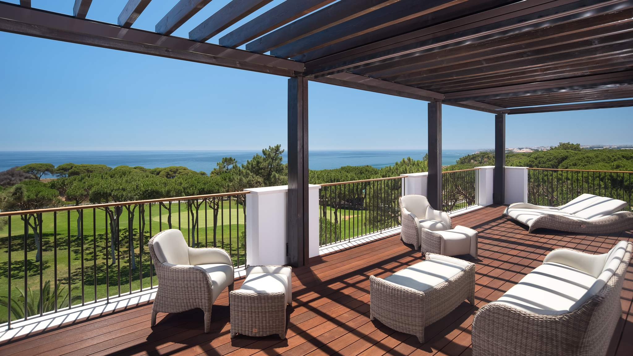 Pine Cliffs Ocean Suites, Two Bedroom Apt, Garden Access, 2 bedroom apartment in Pine Cliffs Resort, Algarve Photo #10