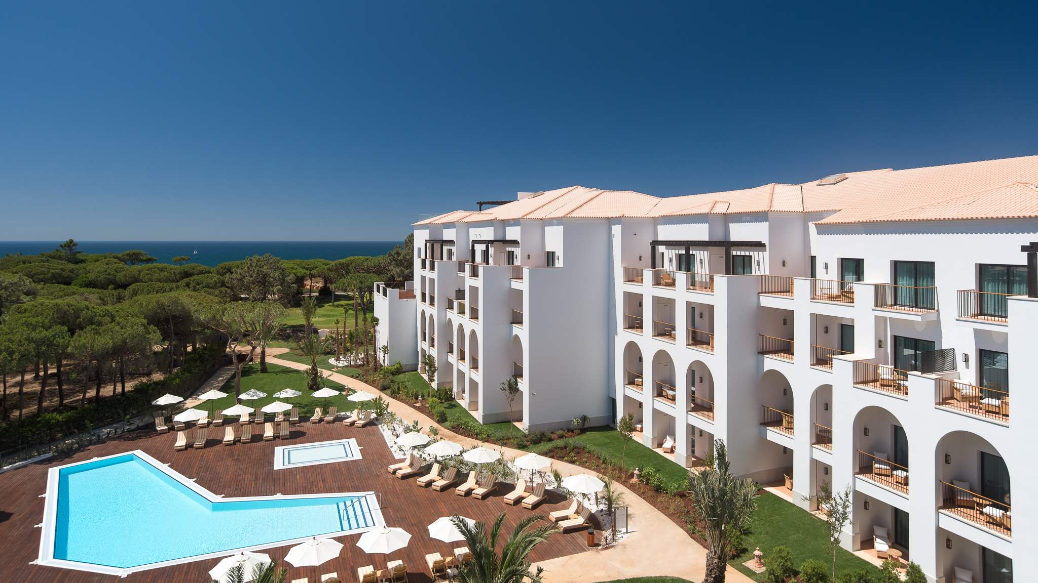 Pine Cliffs Ocean Suites, Two Bedroom Apt, Garden Access, 2 bedroom apartment in Pine Cliffs Resort, Algarve Photo #11