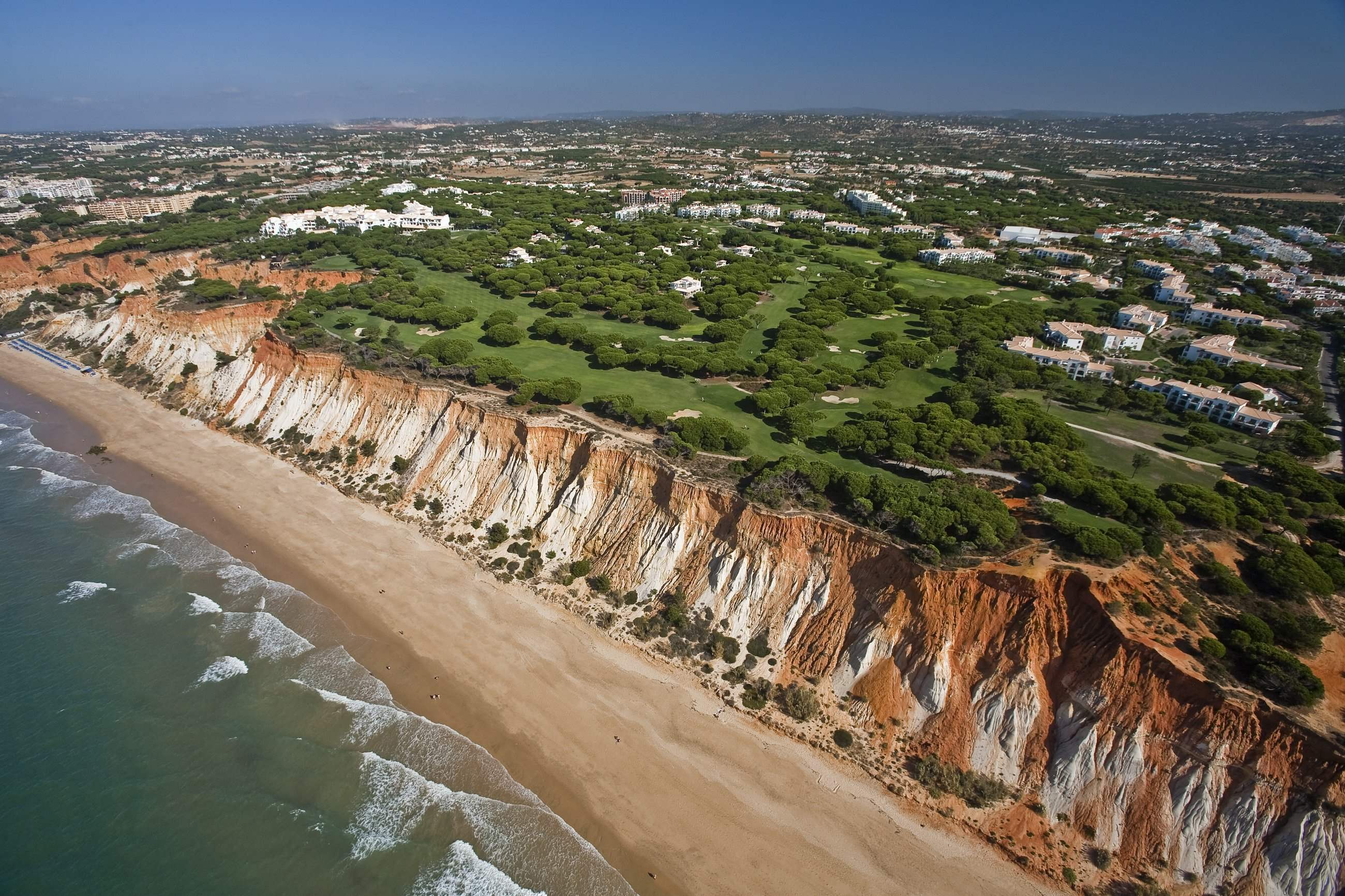 Pine Cliffs Ocean Suites, Two Bedroom Apt, Garden Access, 2 bedroom apartment in Pine Cliffs Resort, Algarve Photo #15