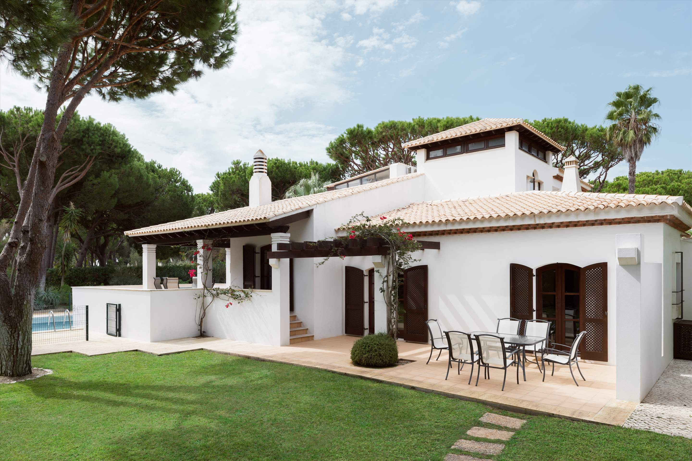 Pine Cliffs Villa Aurora, 4 bedroom villa in Pine Cliffs Resort, Algarve Photo #1