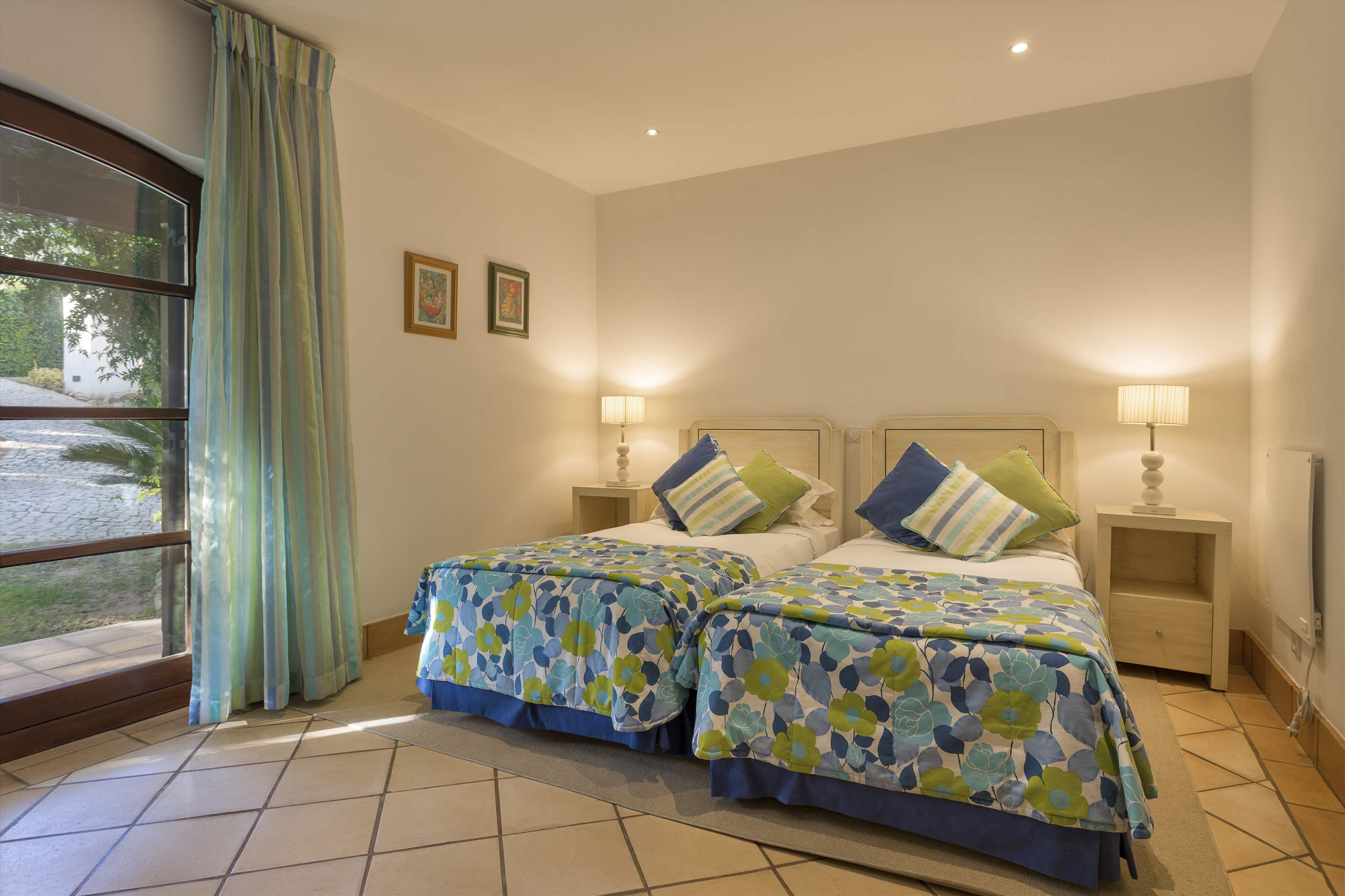 Pine Cliffs Villa Aurora, 4 bedroom villa in Pine Cliffs Resort, Algarve Photo #9