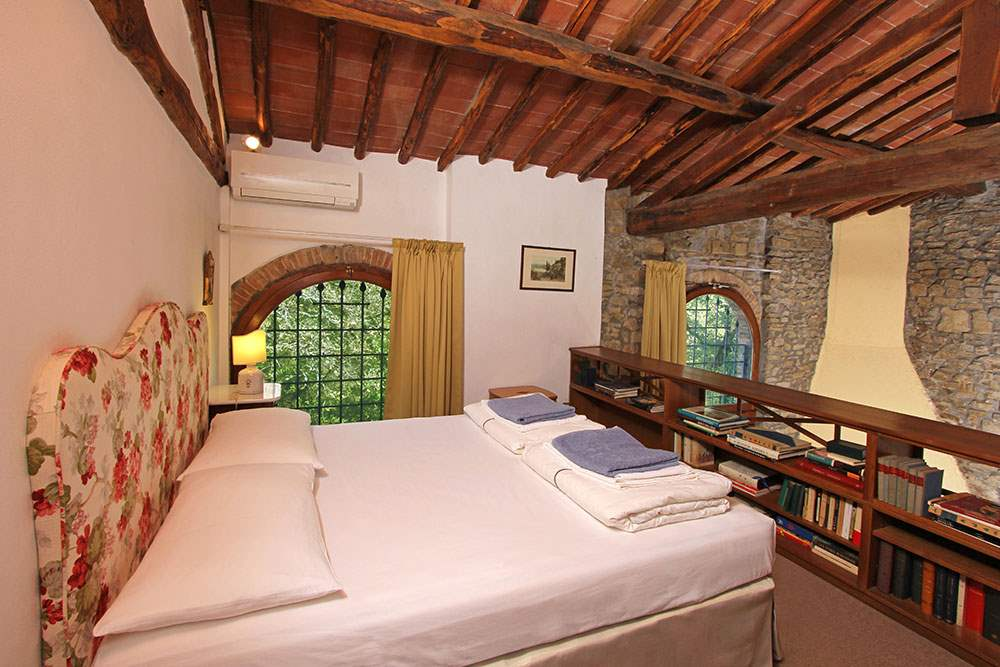 Villa Stefano, 2 bedroom villa in Chianti & Countryside, Tuscany Photo #16