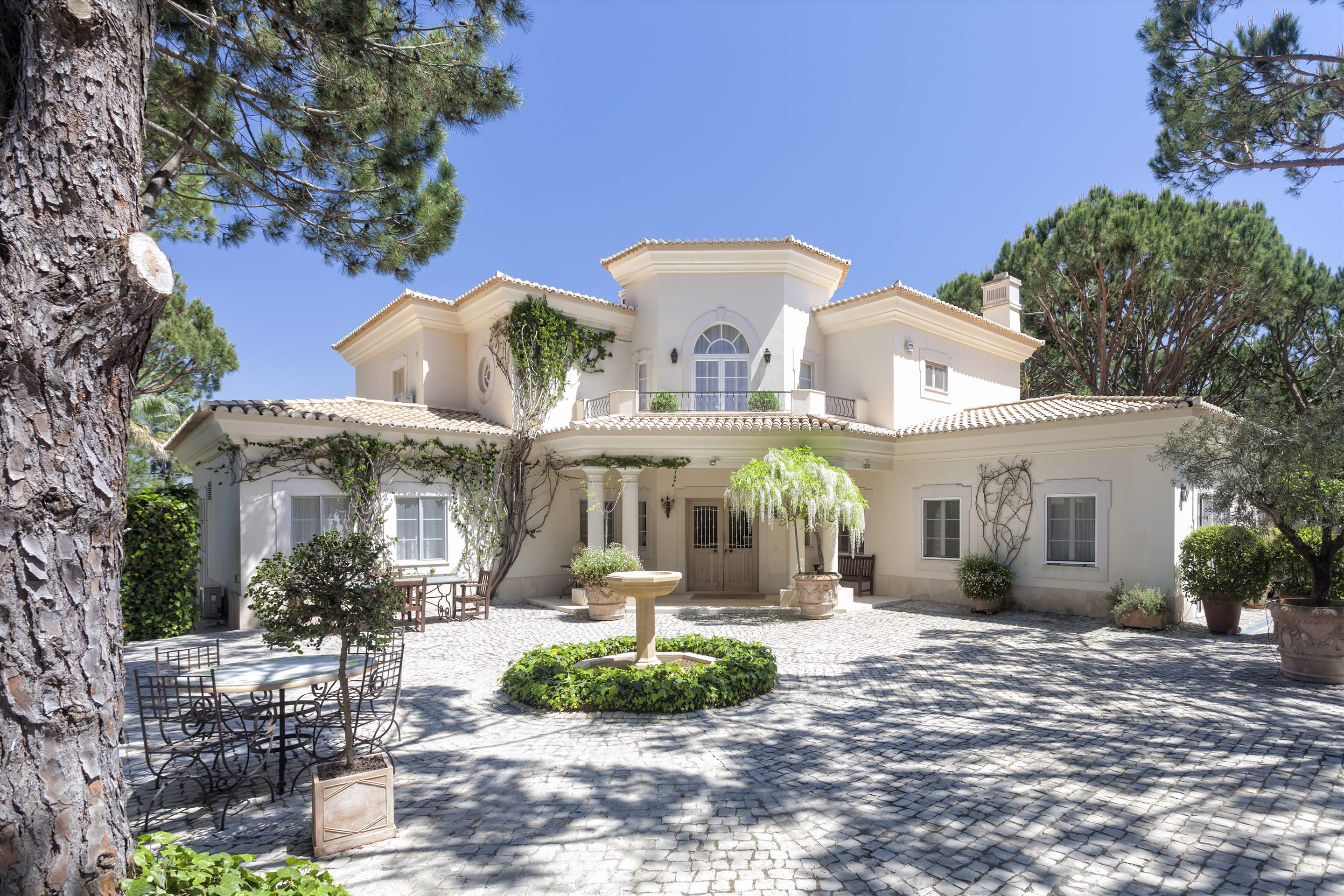 Villa Paula, 5 bedroom villa in Quinta do Lago, Algarve