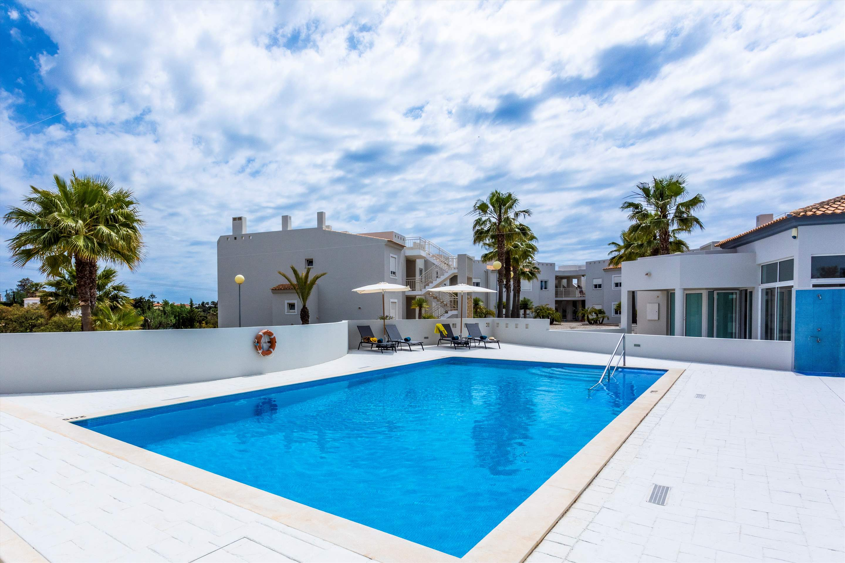 Placid Village, Three Bedroom Apartment, 3 bedroom apartment in Carvoeiro Area, Algarve