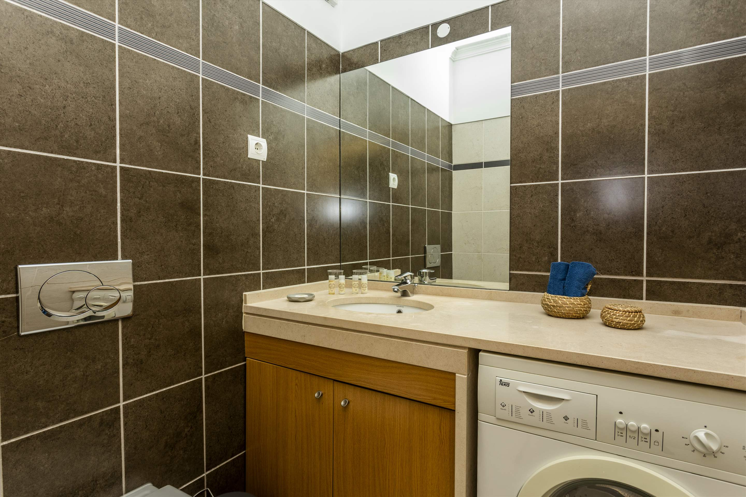 Placid Village, Three Bedroom Apartment, 3 bedroom apartment in Carvoeiro Area, Algarve Photo #17