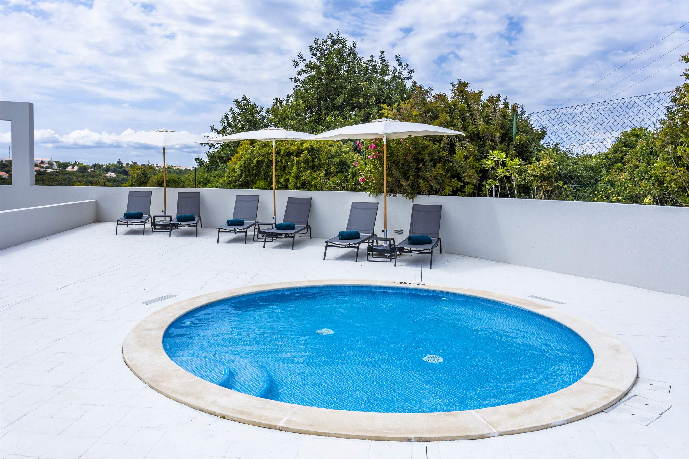 Placid Village, Three Bedroom Apartment, 3 bedroom apartment in Carvoeiro Area, Algarve Photo #9