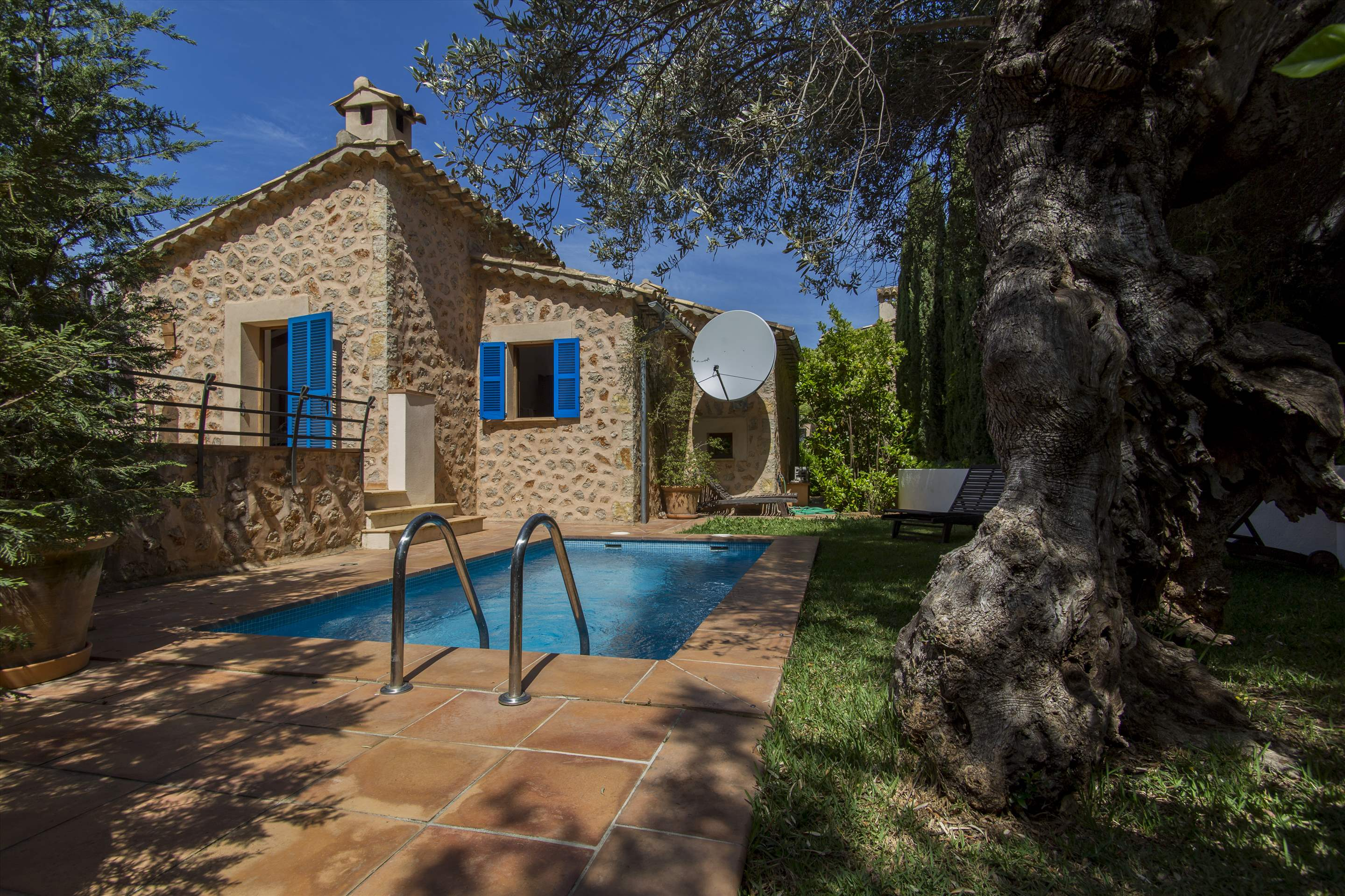 Can Monticel, 3 bedroom villa in Soller & Deia, Majorca Photo #1