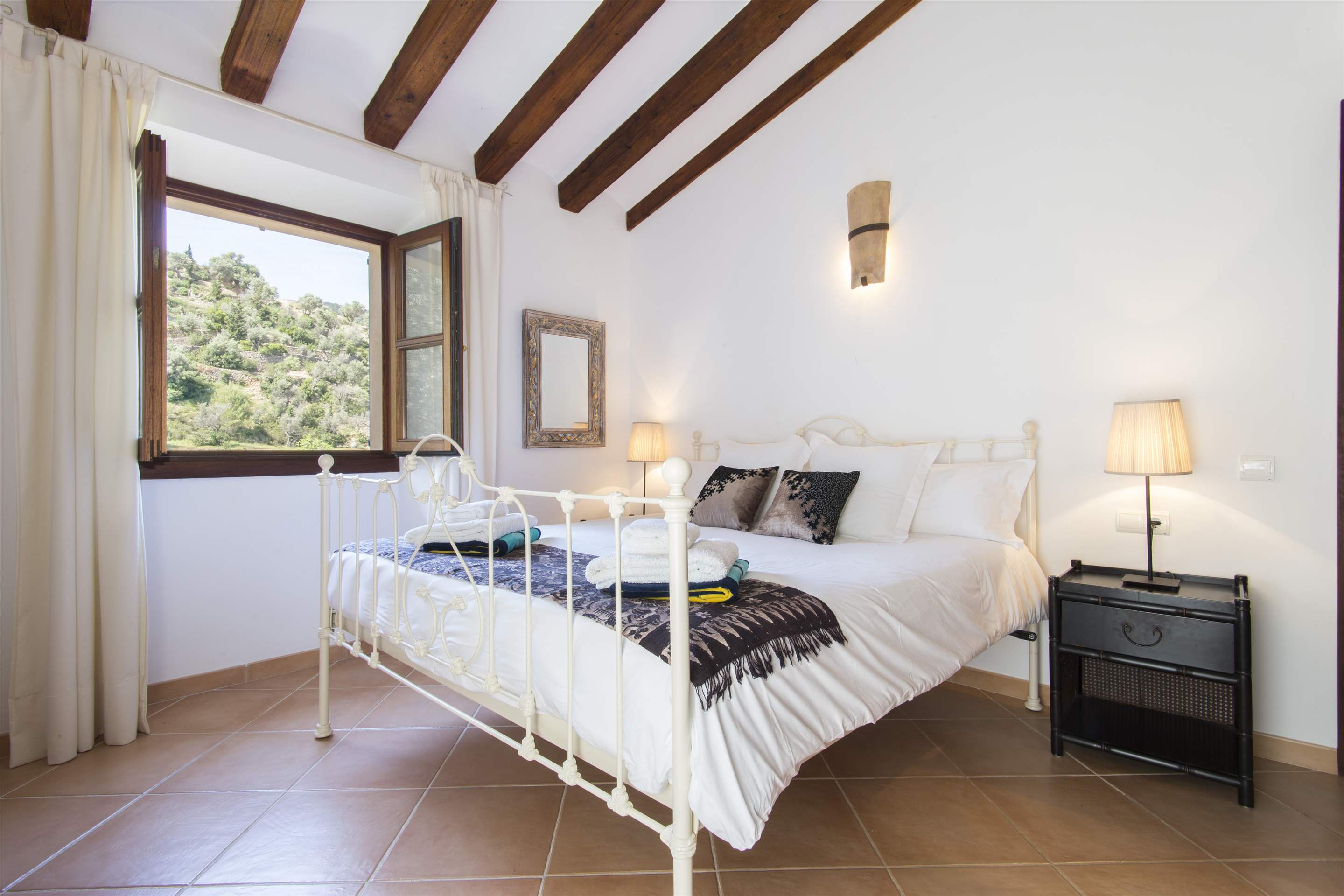 Can Monticel, 3 bedroom villa in Soller & Deia, Majorca Photo #19