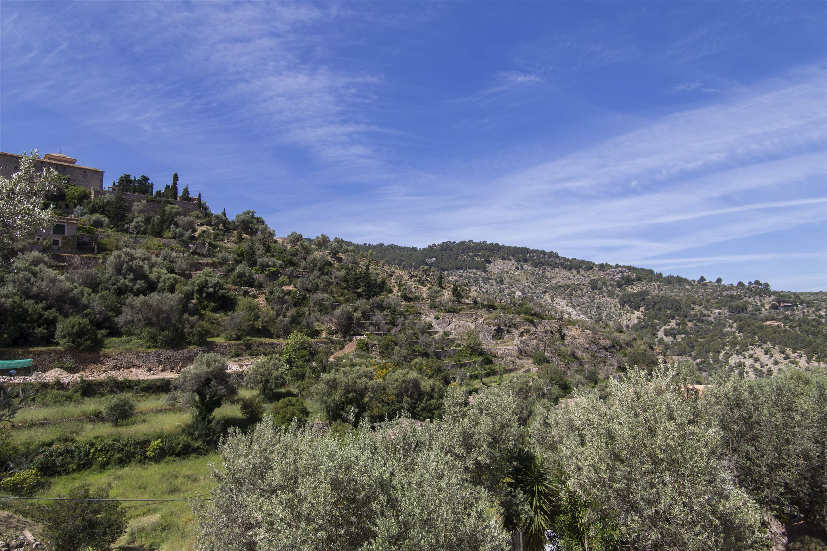 Can Monticel, 3 bedroom villa in Soller & Deia, Majorca Photo #25
